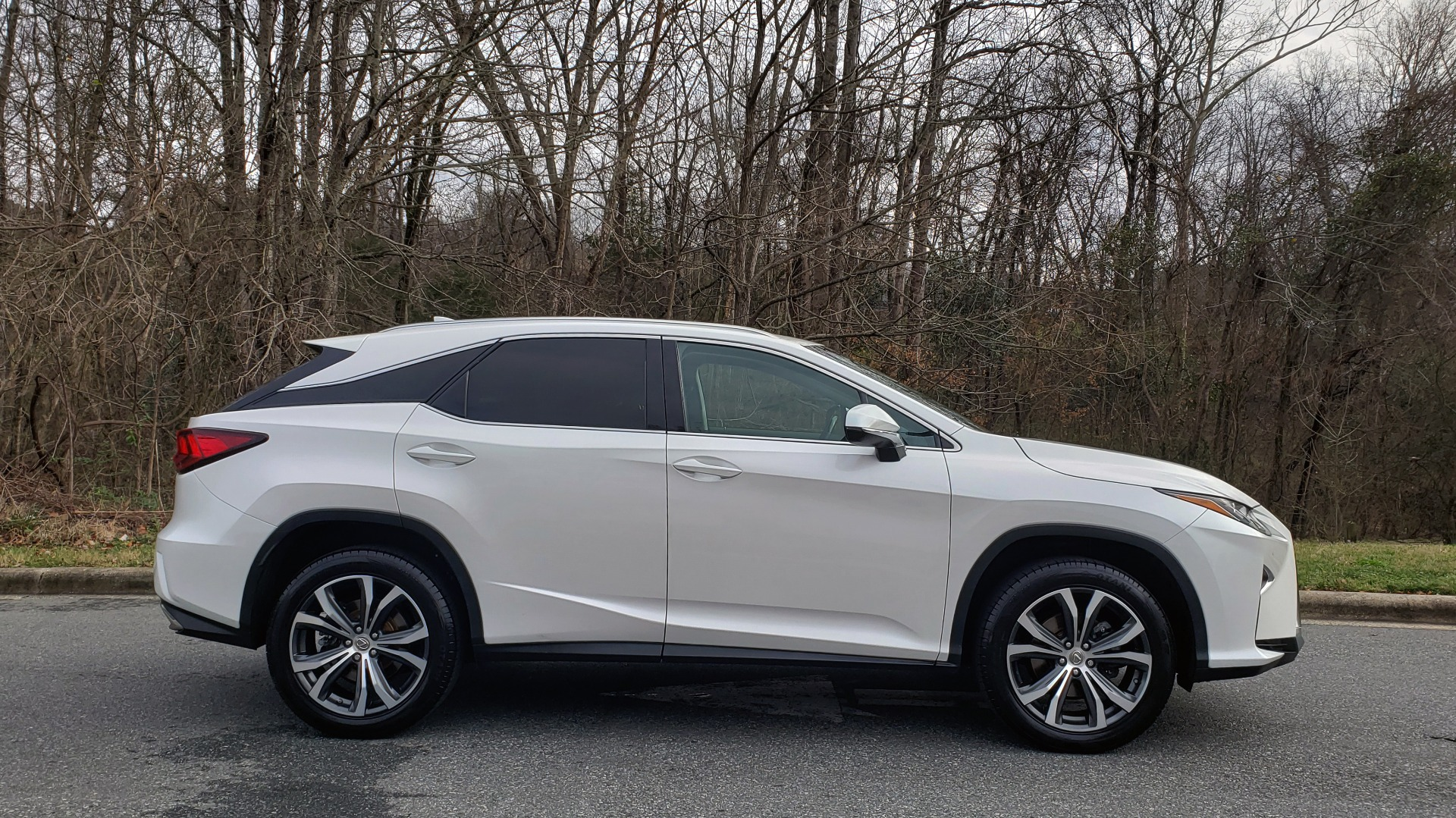 Used 2017 Lexus RX 350 PREMIUM / BSM / SNRF / VENT SEATS / REARVIEW for sale Sold at Formula Imports in Charlotte NC 28227 5