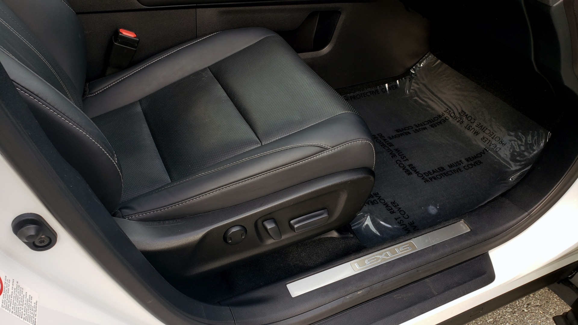 Used 2017 Lexus RX 350 PREMIUM / BSM / SNRF / VENT SEATS / REARVIEW for sale Sold at Formula Imports in Charlotte NC 28227 70
