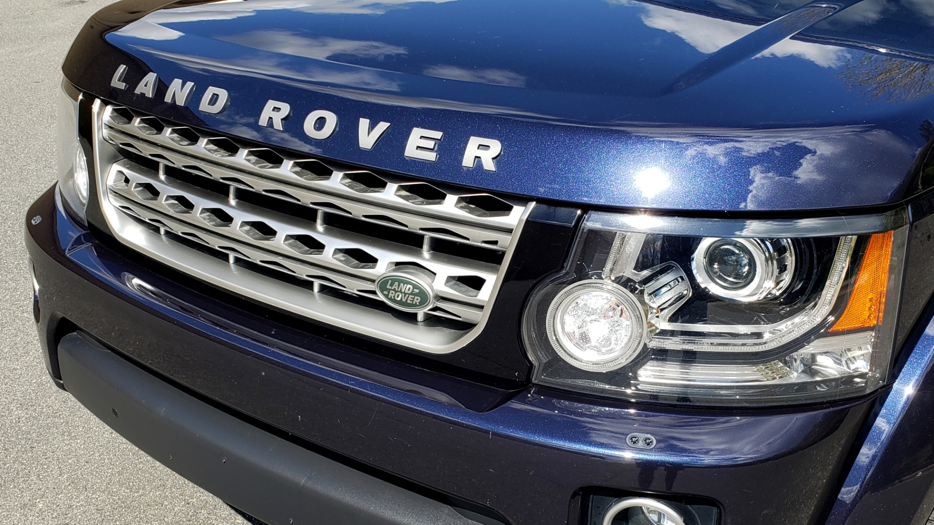 Used 2016 Land Rover LR4 HSE LUX / NAV / SUNROOF / MERIDIAN / REARVIEW / 3-ROW for sale Sold at Formula Imports in Charlotte NC 28227 33