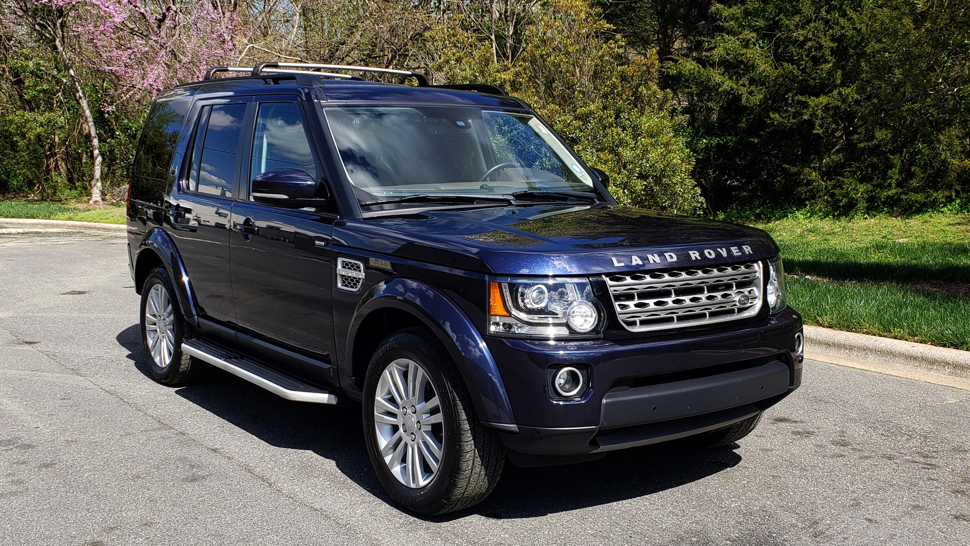 Used 2016 Land Rover LR4 HSE LUX / NAV / SUNROOF / MERIDIAN / REARVIEW / 3-ROW for sale Sold at Formula Imports in Charlotte NC 28227 4