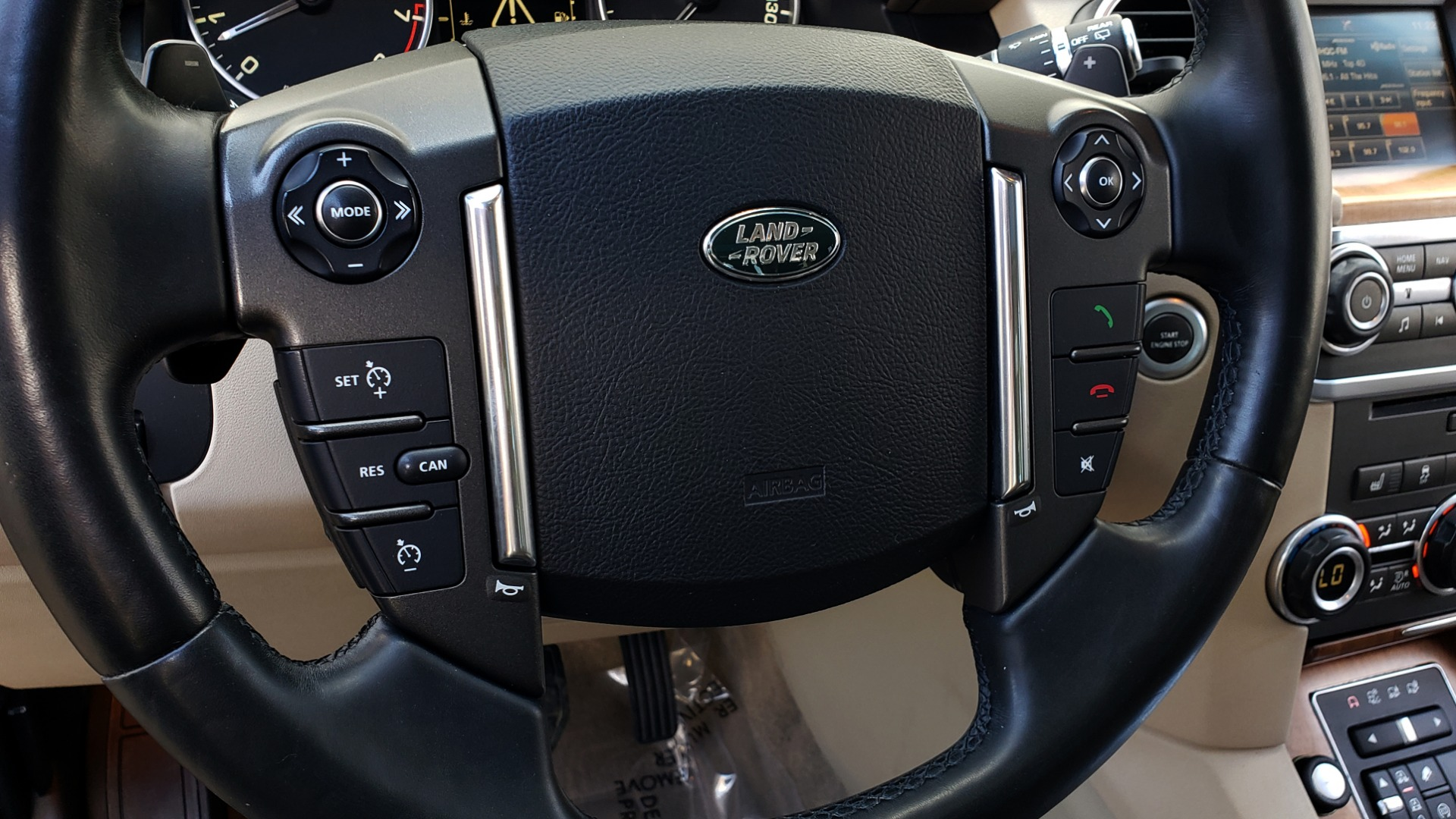 Used 2016 Land Rover LR4 HSE LUX / NAV / SUNROOF / MERIDIAN / REARVIEW / 3-ROW for sale Sold at Formula Imports in Charlotte NC 28227 51