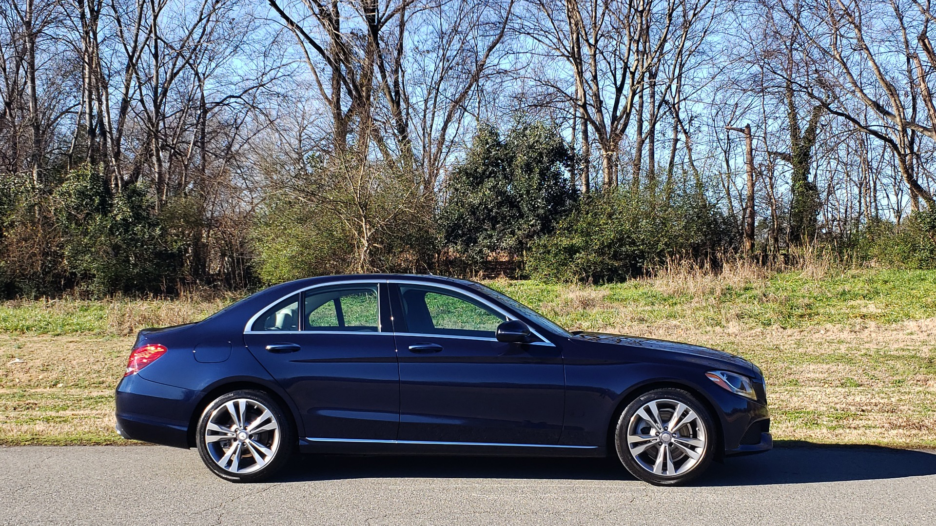 Used 2016 Mercedes-Benz C-Class C 300 PREMIUM / PANO-ROOF / HTD STS / BSA / REARVIEW for sale Sold at Formula Imports in Charlotte NC 28227 5