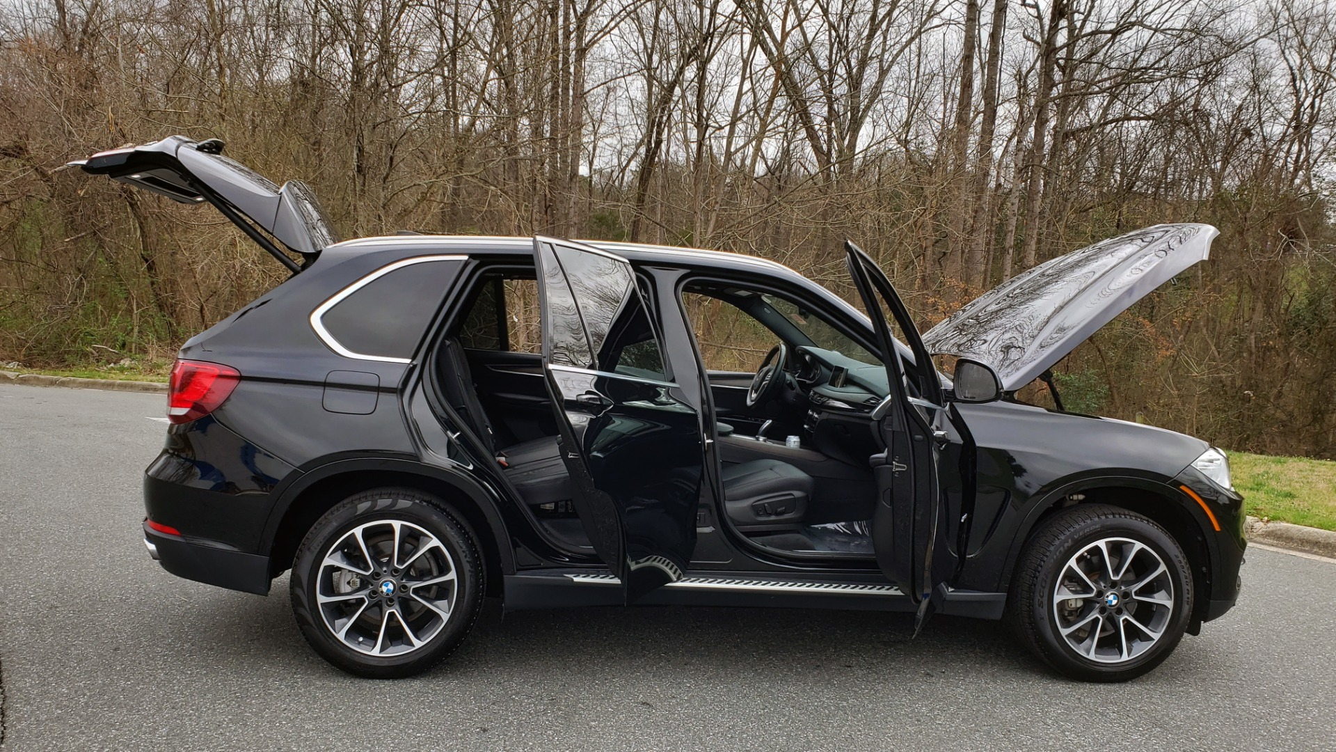 Used 2017 BMW X5 XDRIVE35I / PREM LUX PKG / DRVR ASST / CLD WTHR / APPLE CAR PLAY for sale Sold at Formula Imports in Charlotte NC 28227 10