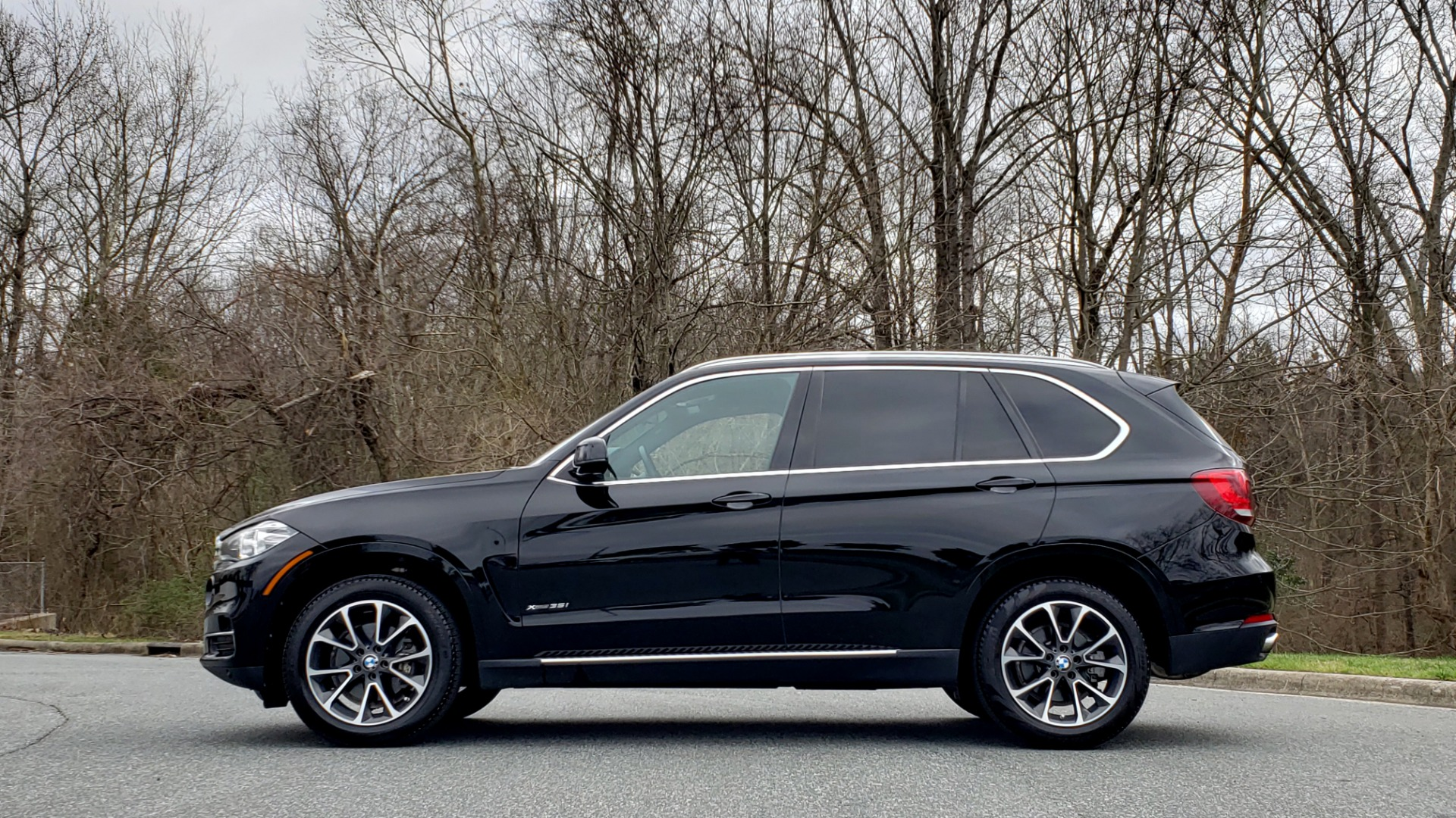Used 2017 BMW X5 XDRIVE35I / PREM LUX PKG / DRVR ASST / CLD WTHR / APPLE CAR PLAY for sale Sold at Formula Imports in Charlotte NC 28227 2