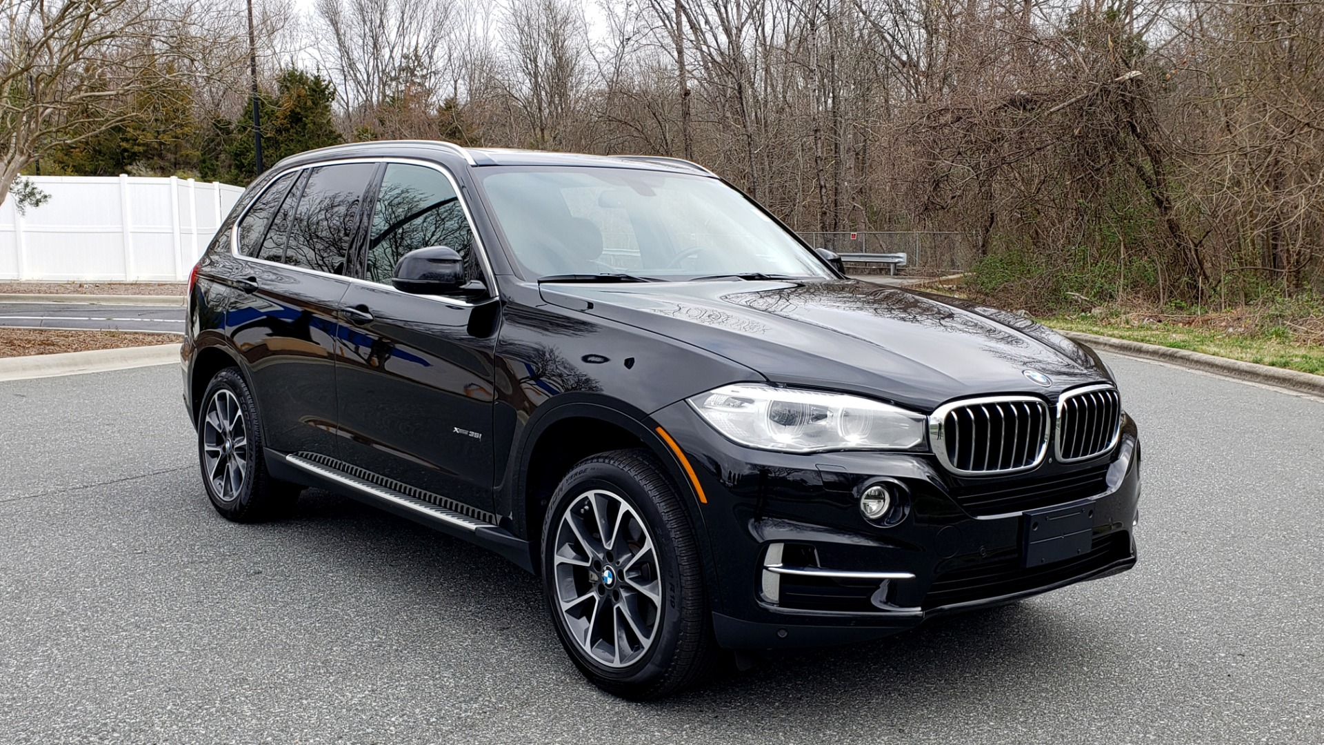 Used 2017 BMW X5 XDRIVE35I / PREM LUX PKG / DRVR ASST / CLD WTHR / APPLE CAR PLAY for sale Sold at Formula Imports in Charlotte NC 28227 4