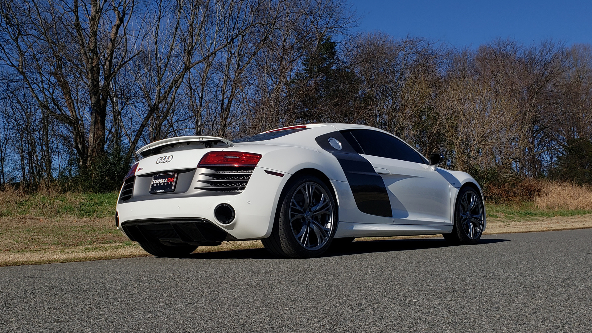 Used 2015 Audi R8 V10 PLUS / S-TRONIC / B&O SOUND / SPORT EXH / REARVIEW for sale Sold at Formula Imports in Charlotte NC 28227 13