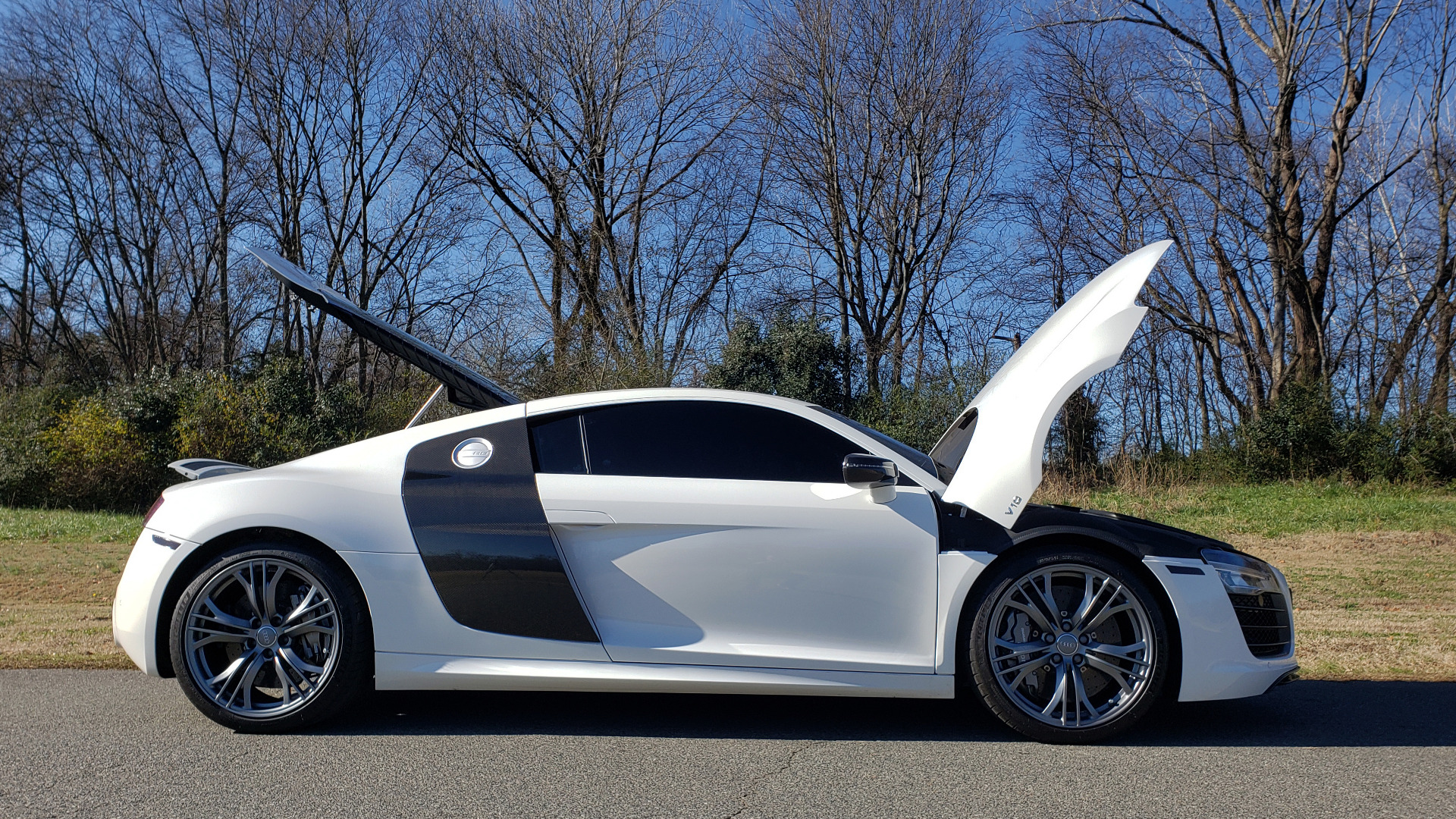 Used 2015 Audi R8 V10 PLUS / S-TRONIC / B&O SOUND / SPORT EXH / REARVIEW for sale Sold at Formula Imports in Charlotte NC 28227 21