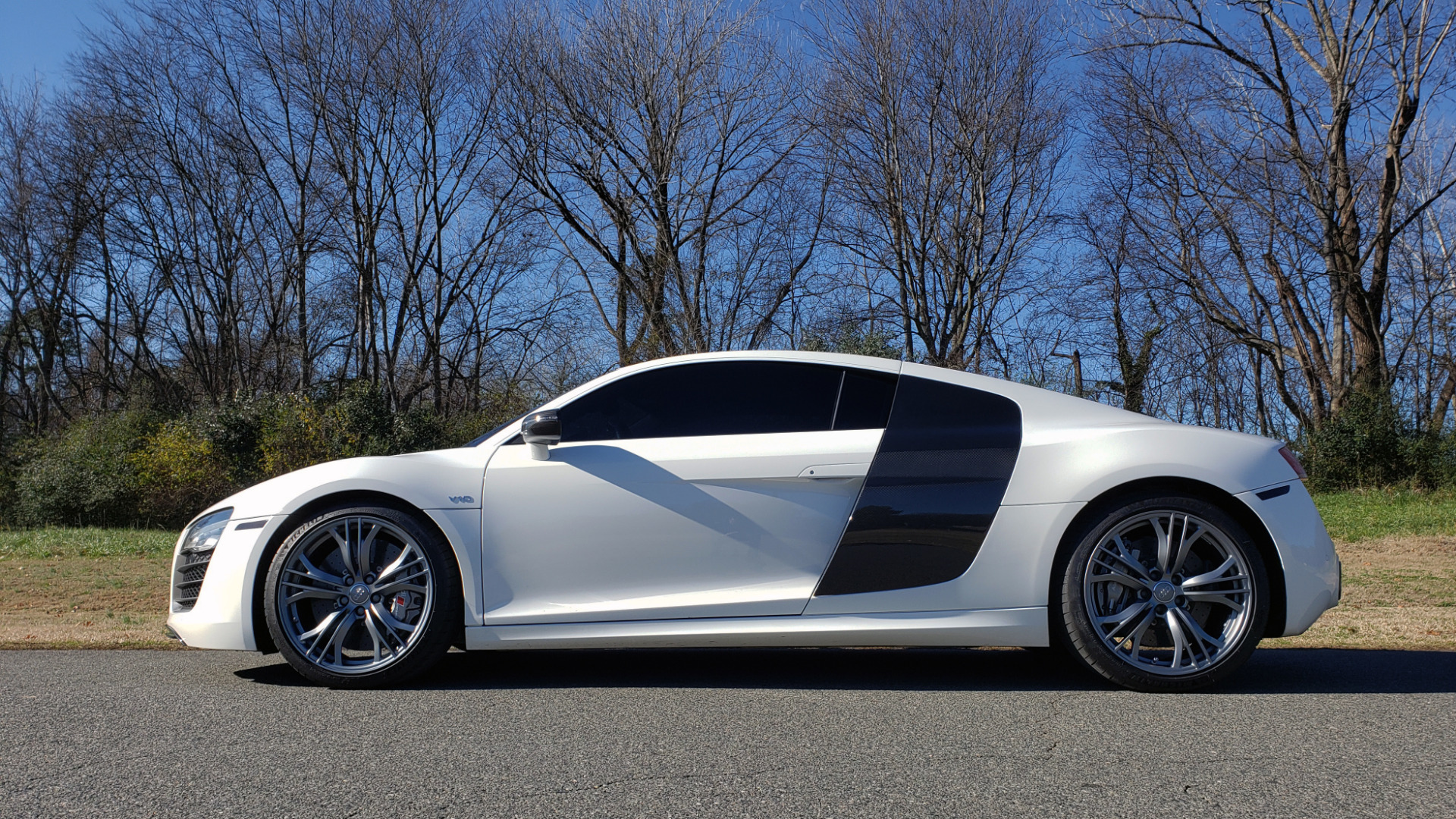 Used 2015 Audi R8 V10 PLUS / S-TRONIC / B&O SOUND / SPORT EXH / REARVIEW for sale Sold at Formula Imports in Charlotte NC 28227 3
