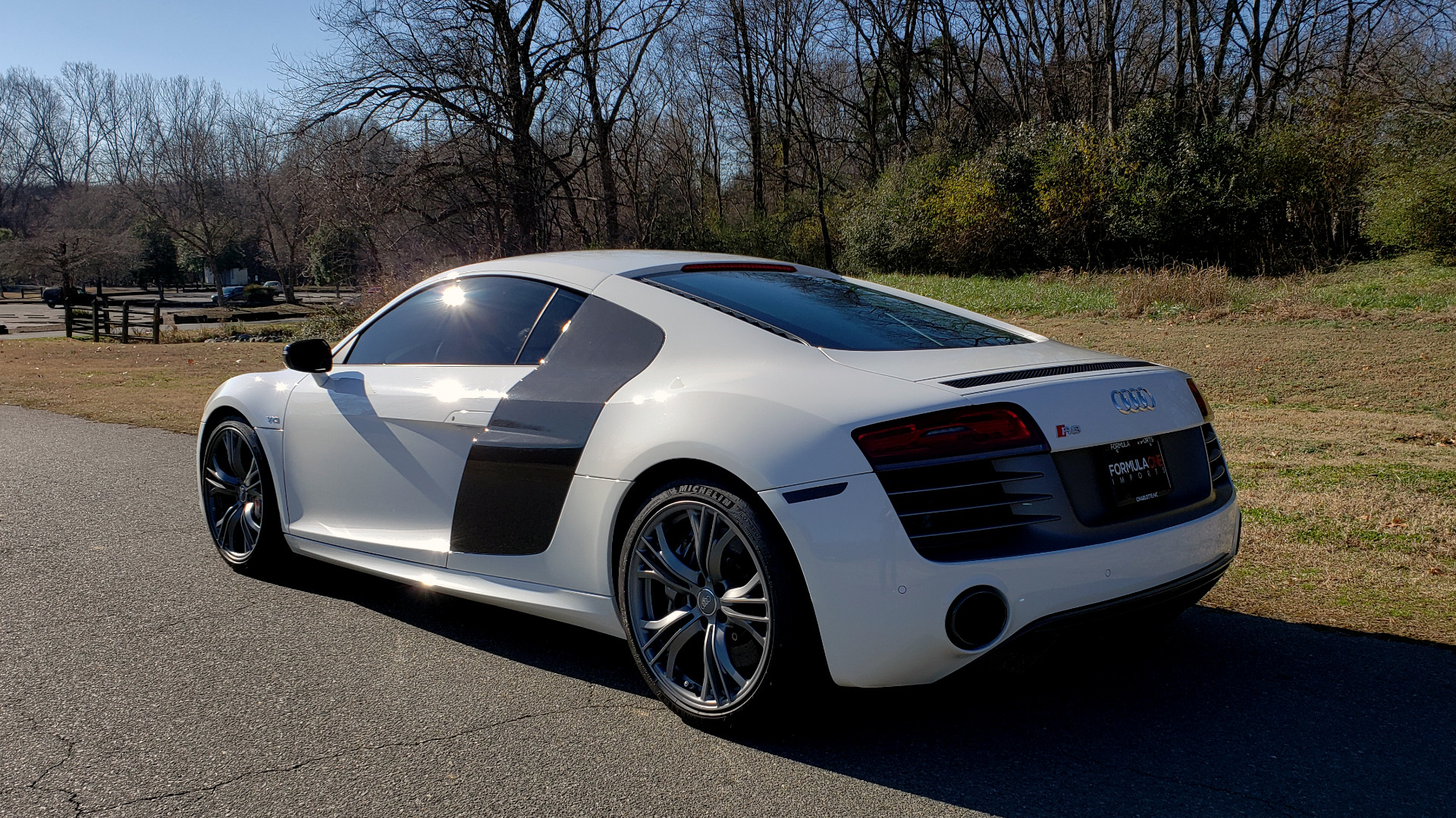Used 2015 Audi R8 V10 PLUS / S-TRONIC / B&O SOUND / SPORT EXH / REARVIEW for sale Sold at Formula Imports in Charlotte NC 28227 4