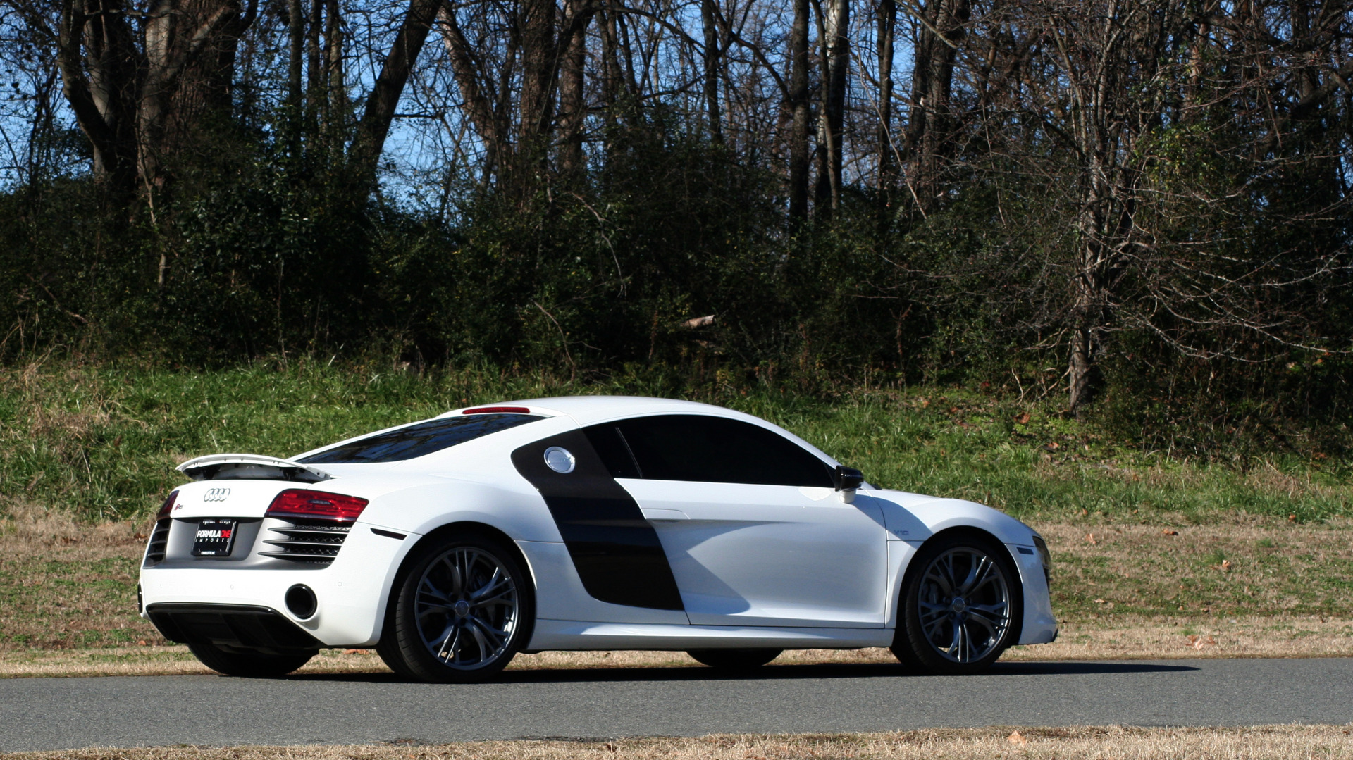 Used 2015 Audi R8 V10 PLUS / S-TRONIC / B&O SOUND / SPORT EXH / REARVIEW for sale Sold at Formula Imports in Charlotte NC 28227 63