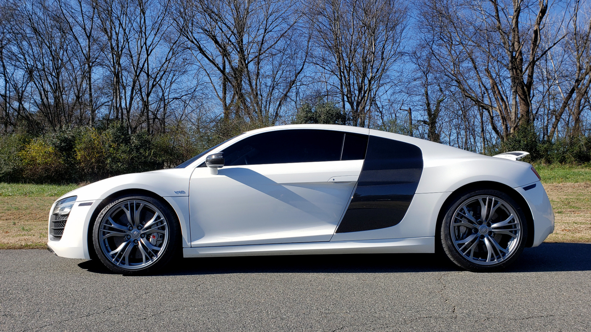 Used 2015 Audi R8 V10 PLUS / S-TRONIC / B&O SOUND / SPORT EXH / REARVIEW for sale Sold at Formula Imports in Charlotte NC 28227 9