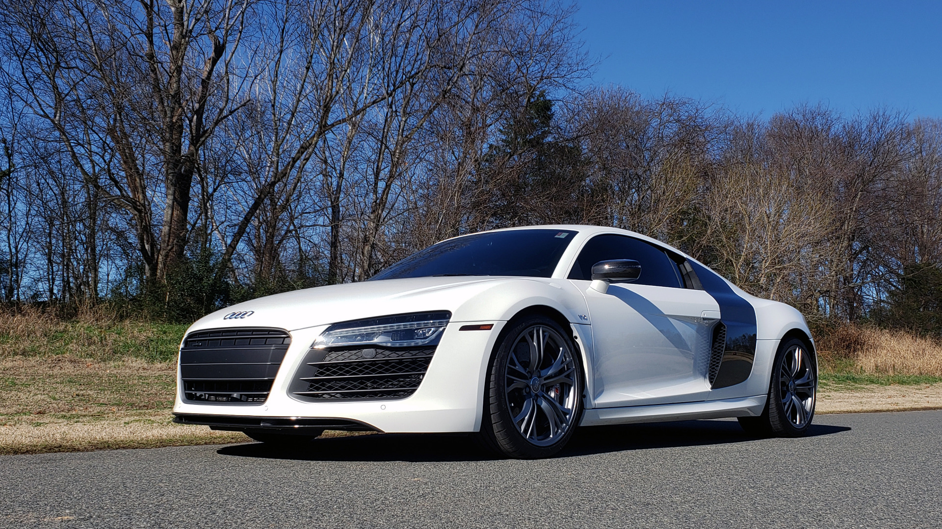 Used 2015 Audi R8 V10 PLUS / S-TRONIC / B&O SOUND / SPORT EXH / REARVIEW for sale Sold at Formula Imports in Charlotte NC 28227 1