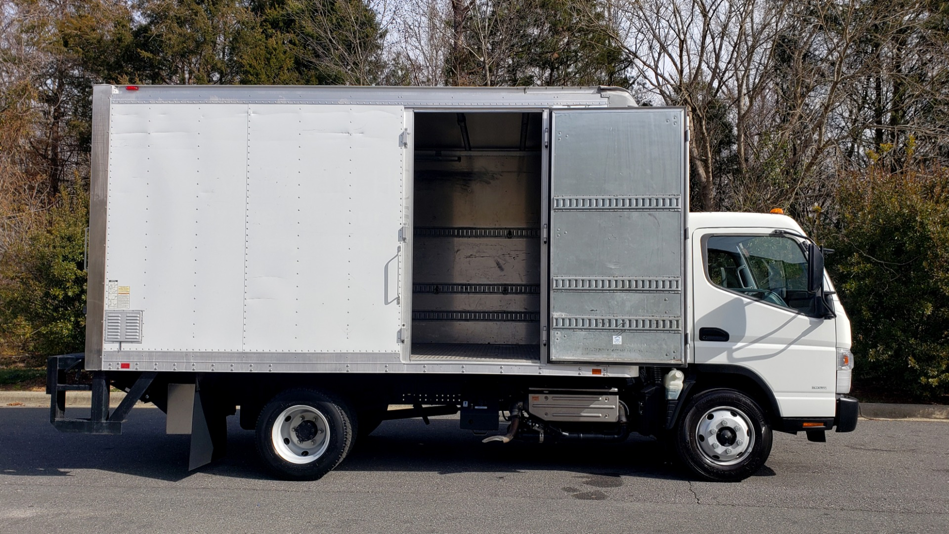 Used 2013 Mitsubishi FUSO FEC72S CARGO VAN / DUAL REAR WHEELS / CLEAN / LOW MILES for sale $25,000 at Formula Imports in Charlotte NC 28227 19