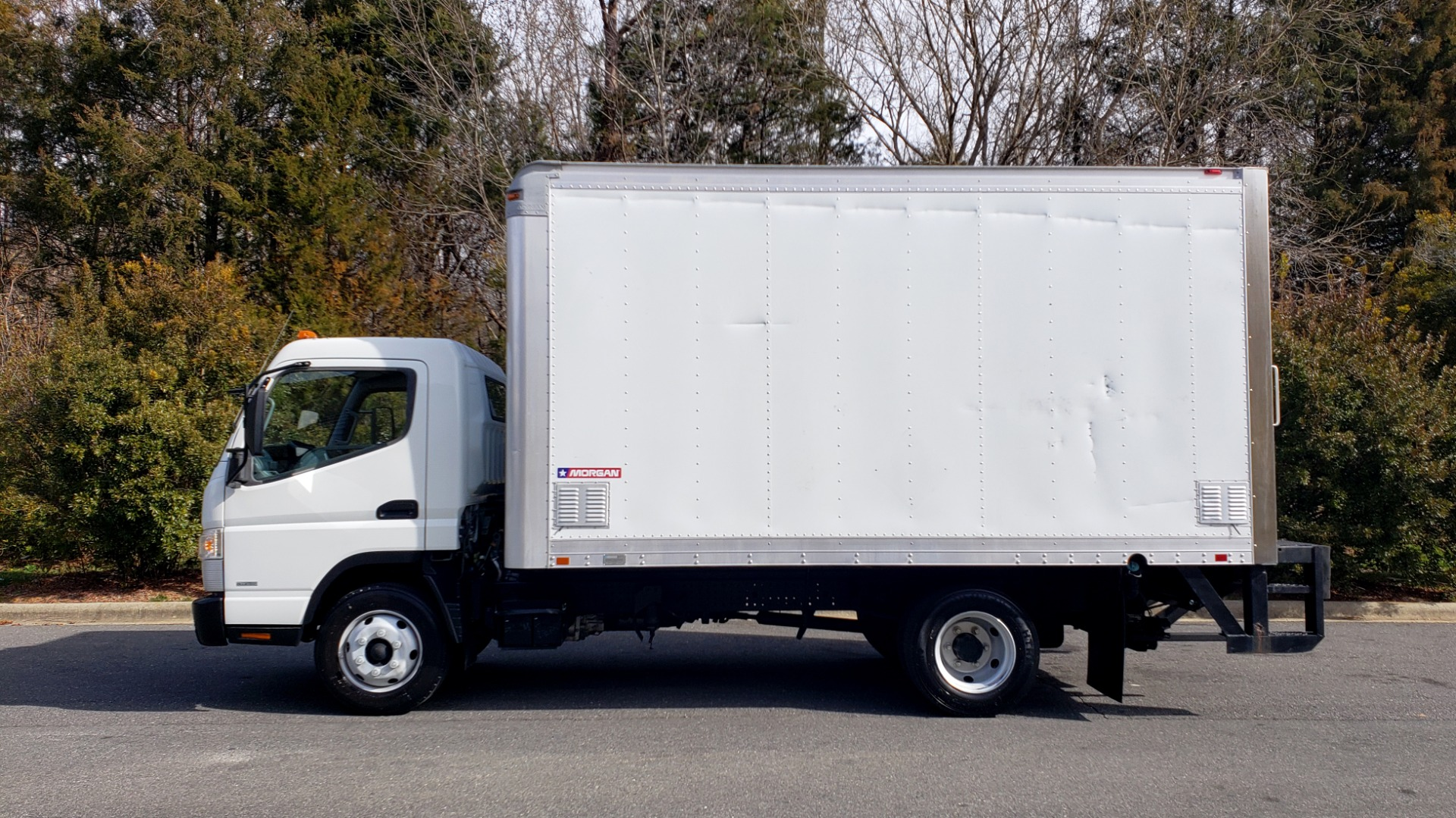 Used 2013 Mitsubishi FUSO FEC72S CARGO VAN / DUAL REAR WHEELS / CLEAN / LOW MILES for sale $25,000 at Formula Imports in Charlotte NC 28227 2
