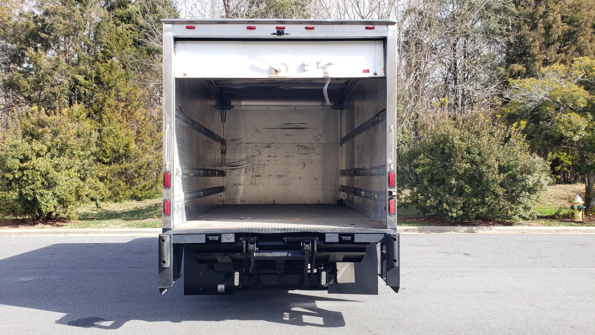 Used 2013 Mitsubishi FUSO FEC72S CARGO VAN / DUAL REAR WHEELS / CLEAN / LOW MILES for sale $25,000 at Formula Imports in Charlotte NC 28227 47