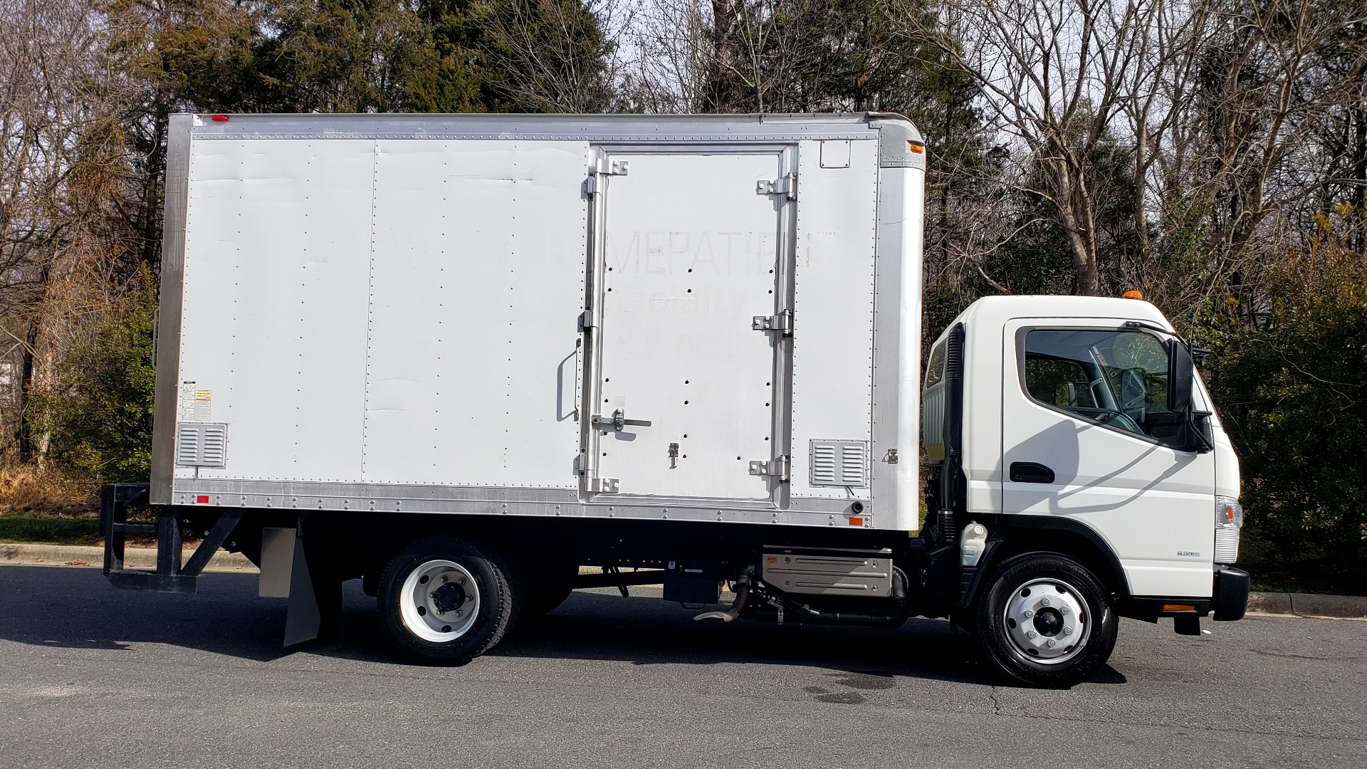 Used 2013 Mitsubishi FUSO FEC72S CARGO VAN / DUAL REAR WHEELS / CLEAN / LOW MILES for sale $25,000 at Formula Imports in Charlotte NC 28227 5
