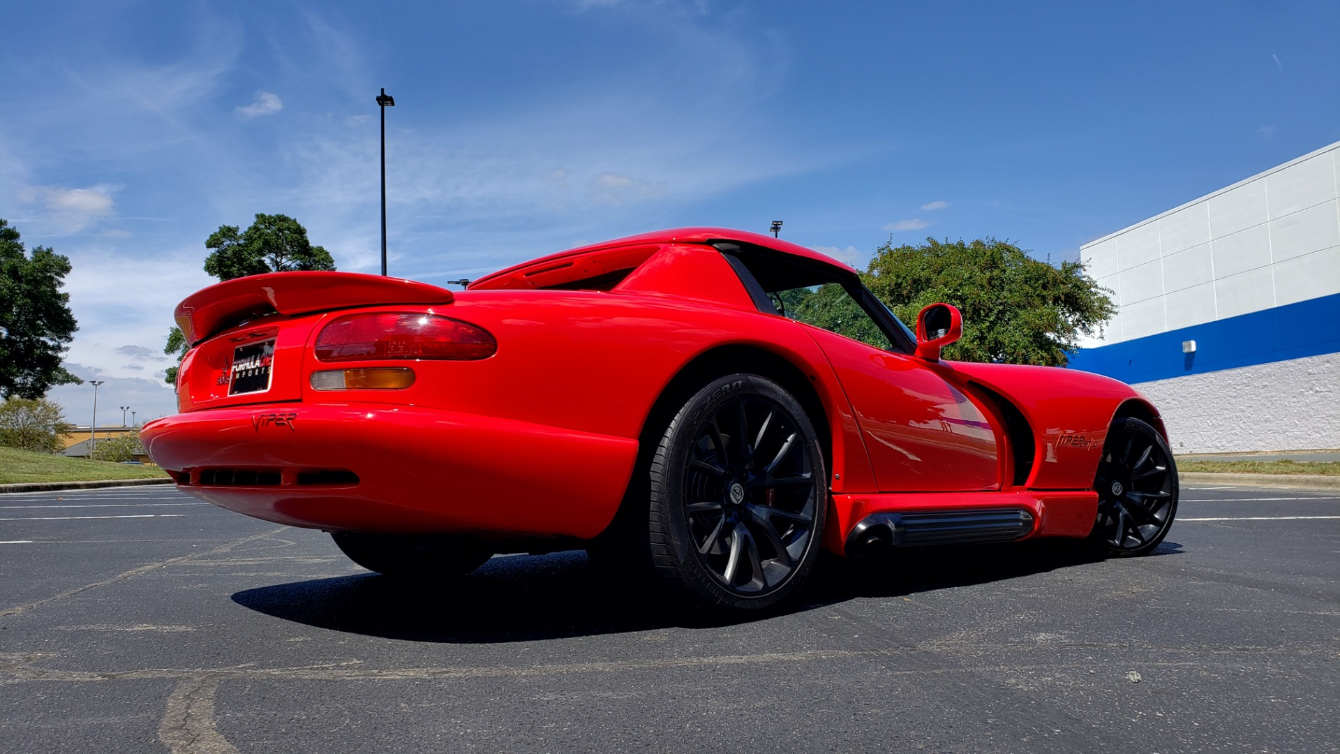 Used 1993 Dodge VIPER RT/10 COUPE / 6-SPD MAN / REMOVABLE TOP / LOW MILES for sale Sold at Formula Imports in Charlotte NC 28227 3