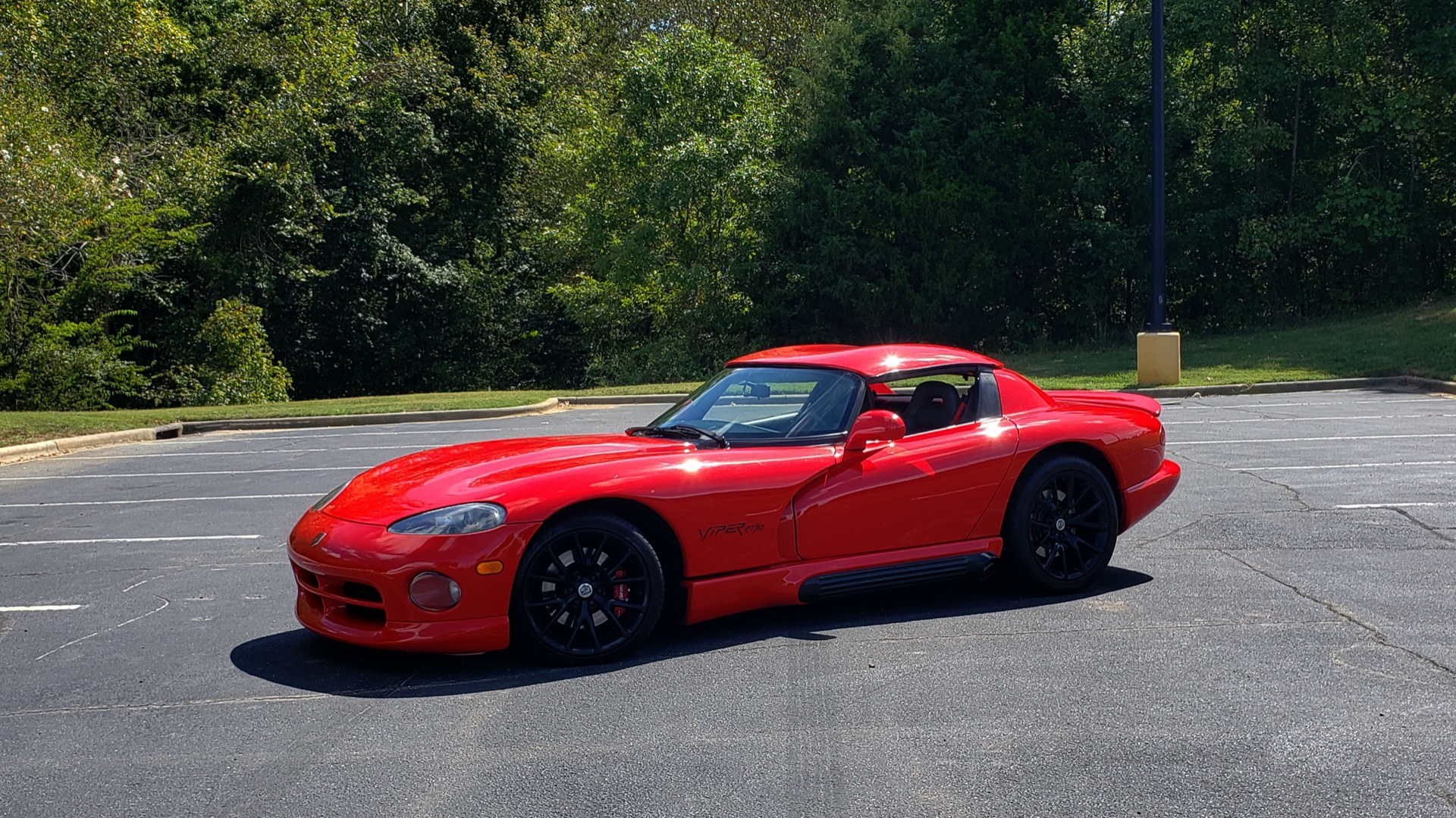Used 1993 Dodge VIPER RT/10 COUPE / 6-SPD MAN / REMOVABLE TOP / LOW MILES for sale Sold at Formula Imports in Charlotte NC 28227 1