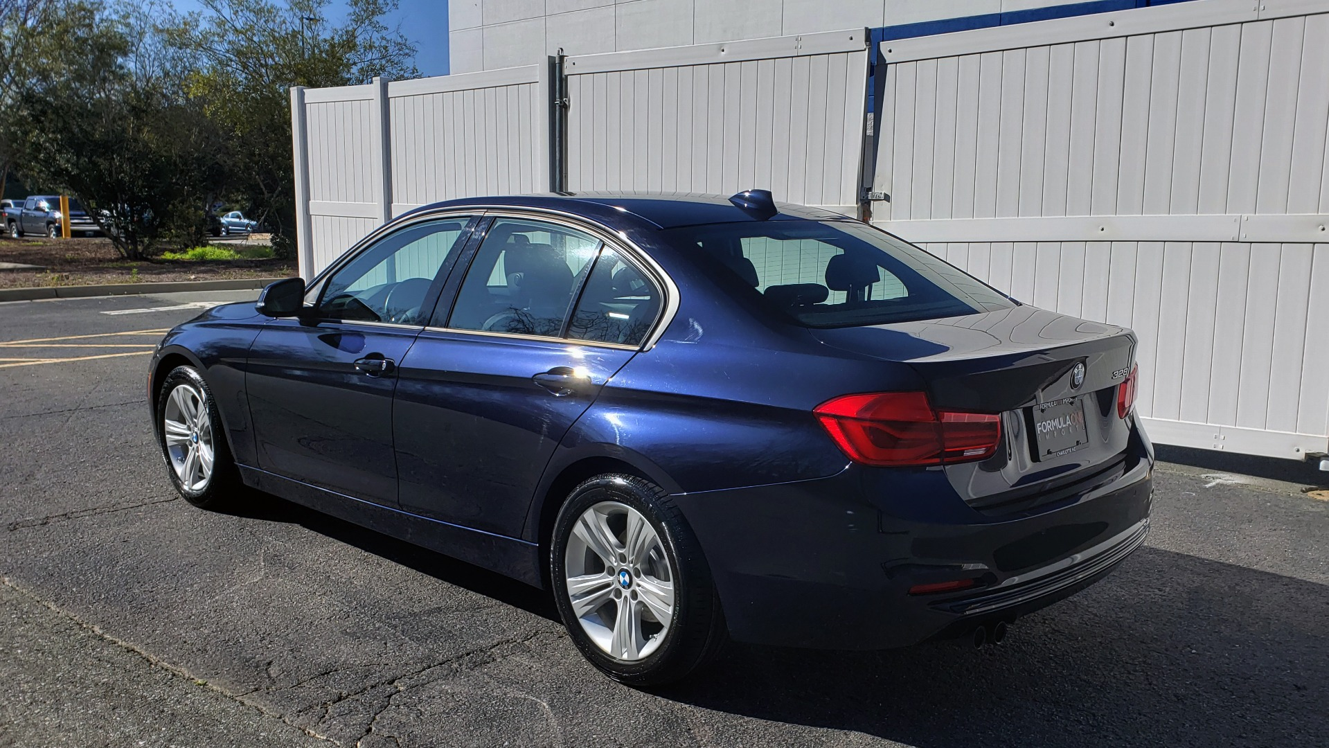 Used 2016 BMW 3 Series 328i PREMIUM / NAV / SUNROOF / DRIVE ASST / REARVIEW for sale Sold at Formula Imports in Charlotte NC 28227 3