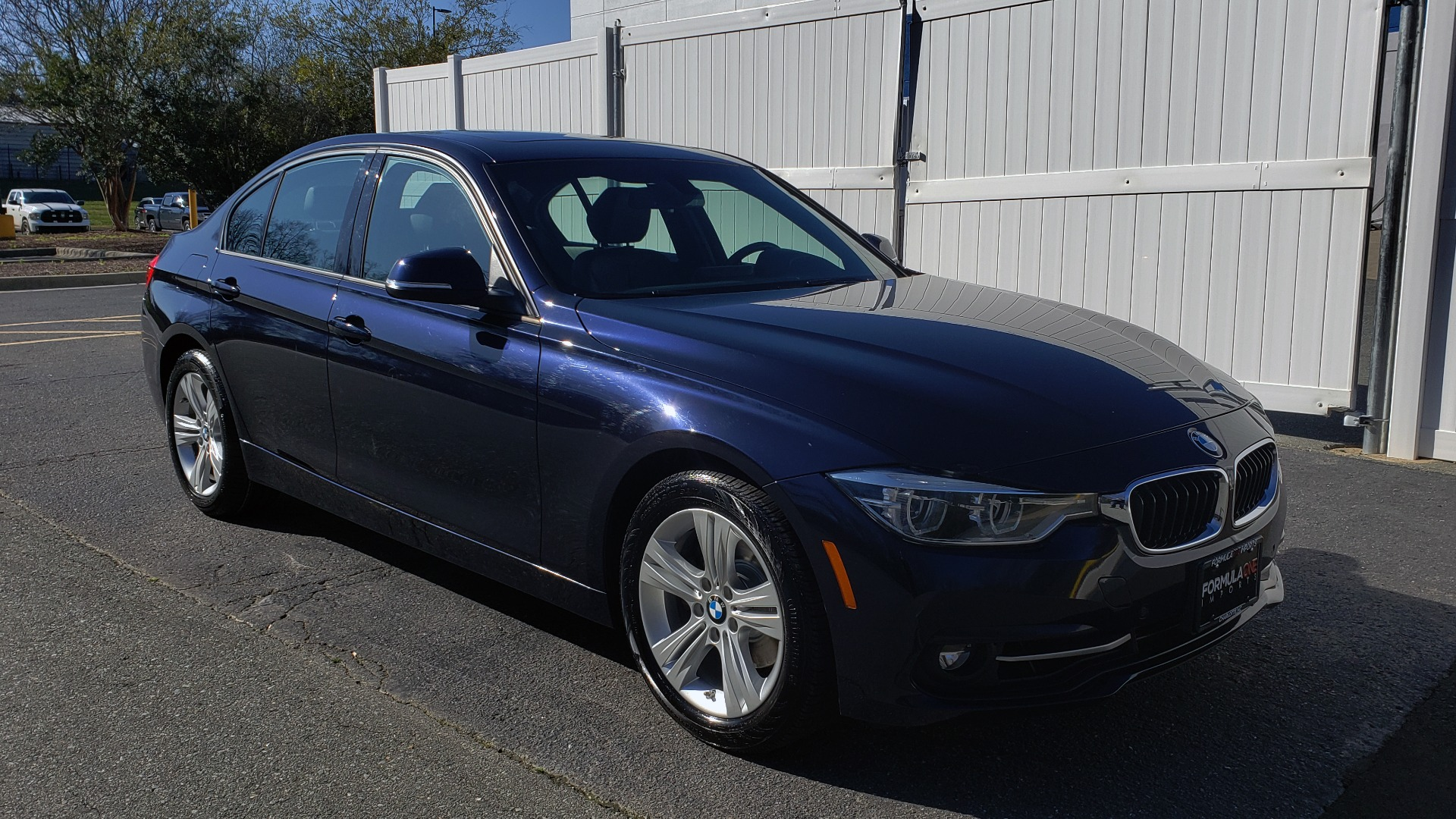 Used 2016 BMW 3 Series 328i PREMIUM / NAV / SUNROOF / DRIVE ASST / REARVIEW for sale Sold at Formula Imports in Charlotte NC 28227 4