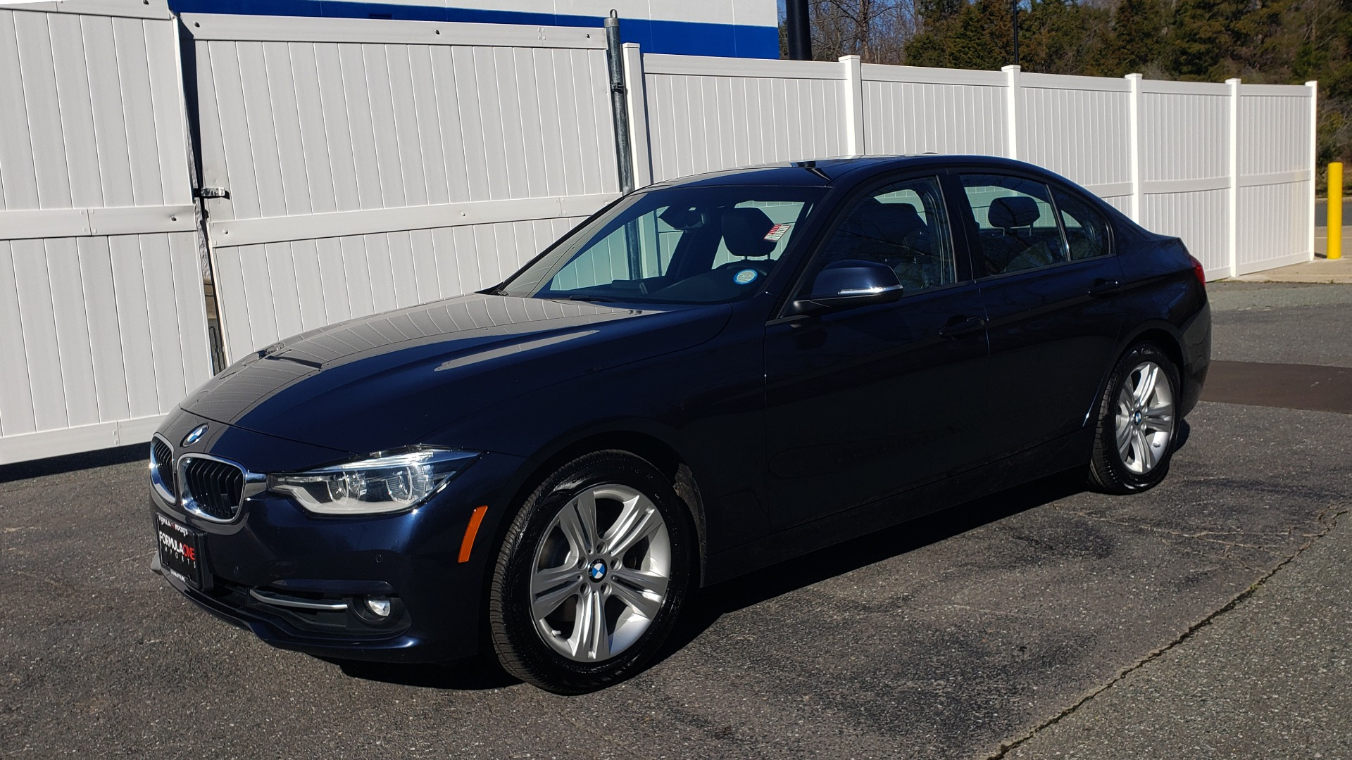 Used 2016 BMW 3 Series 328i PREMIUM / NAV / SUNROOF / DRIVE ASST / REARVIEW for sale Sold at Formula Imports in Charlotte NC 28227 1