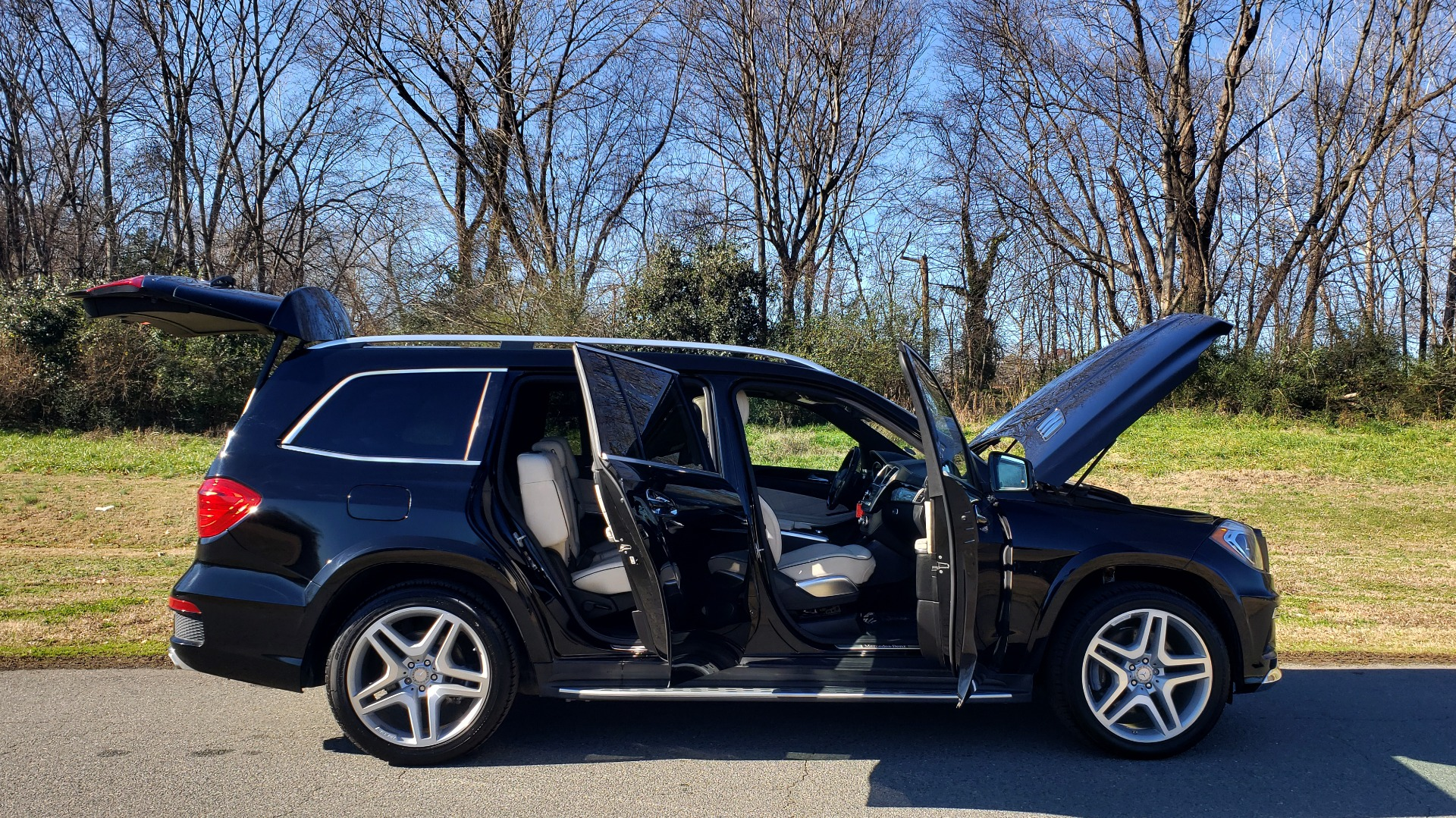 Used 2015 Mercedes-Benz GL-Class GL 550 4MATIC / DRVR ASST / PANO-ROOF / DESIGNO / REARVIEW for sale Sold at Formula Imports in Charlotte NC 28227 15