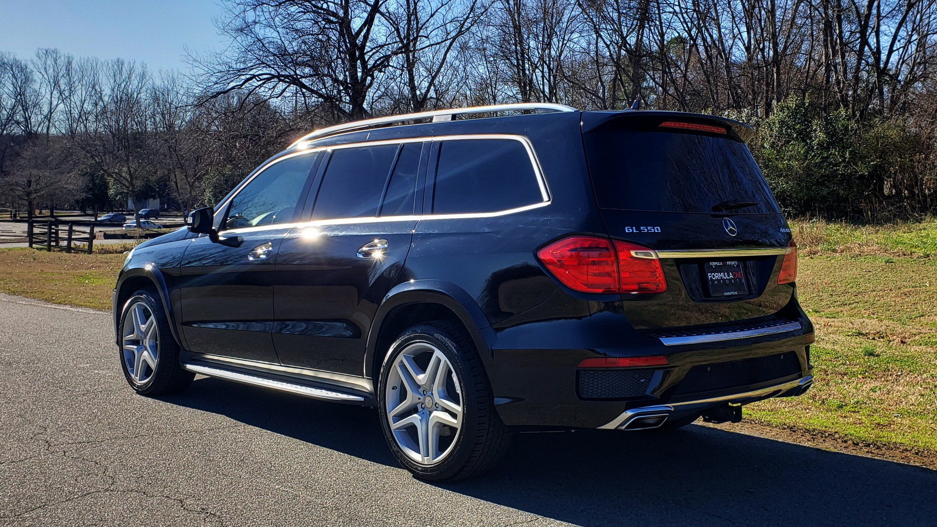 Used 2015 Mercedes-Benz GL-Class GL 550 4MATIC / DRVR ASST / PANO-ROOF / DESIGNO / REARVIEW for sale Sold at Formula Imports in Charlotte NC 28227 3