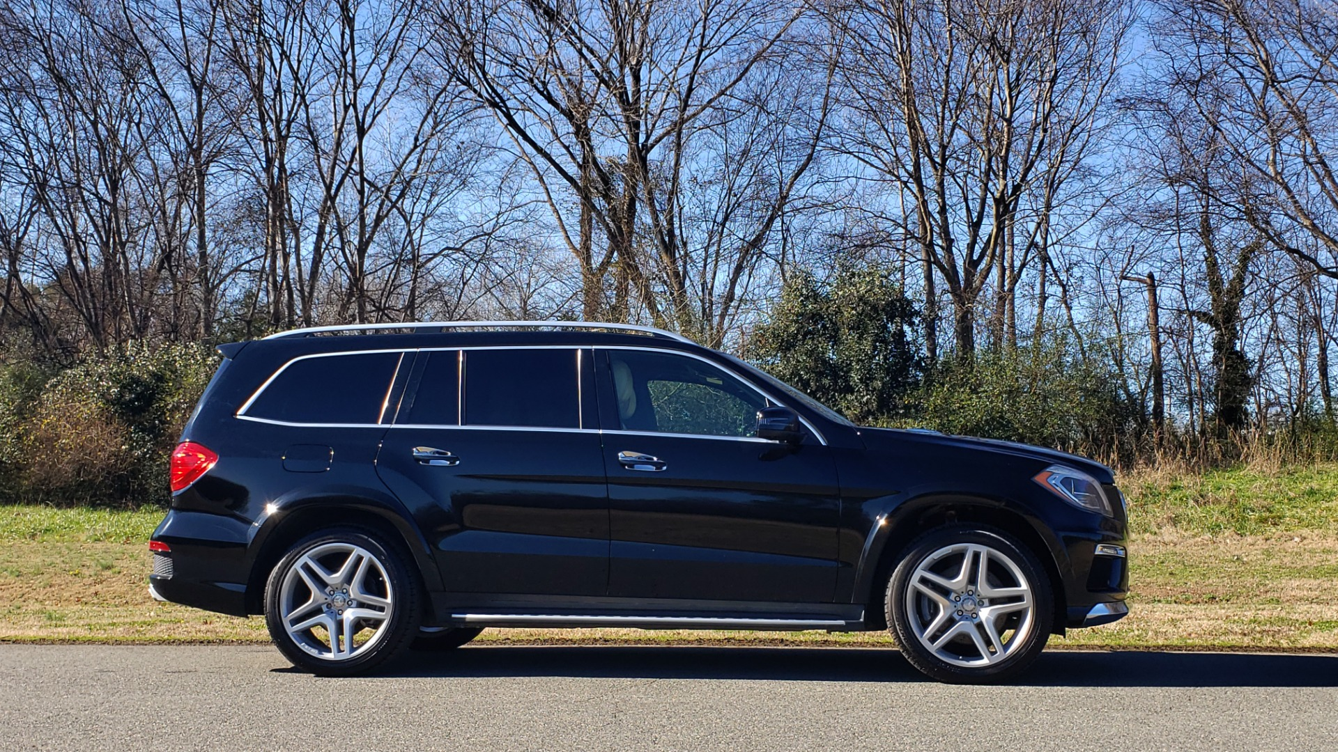 Used 2015 Mercedes-Benz GL-Class GL 550 4MATIC / DRVR ASST / PANO-ROOF / DESIGNO / REARVIEW for sale Sold at Formula Imports in Charlotte NC 28227 5