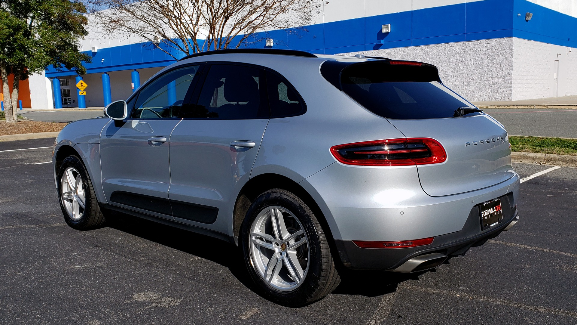 Used 2018 Porsche MACAN AWD / PDK / NAV / PANO-ROOF / BOSE / REARVIEW / LCA for sale Sold at Formula Imports in Charlotte NC 28227 3