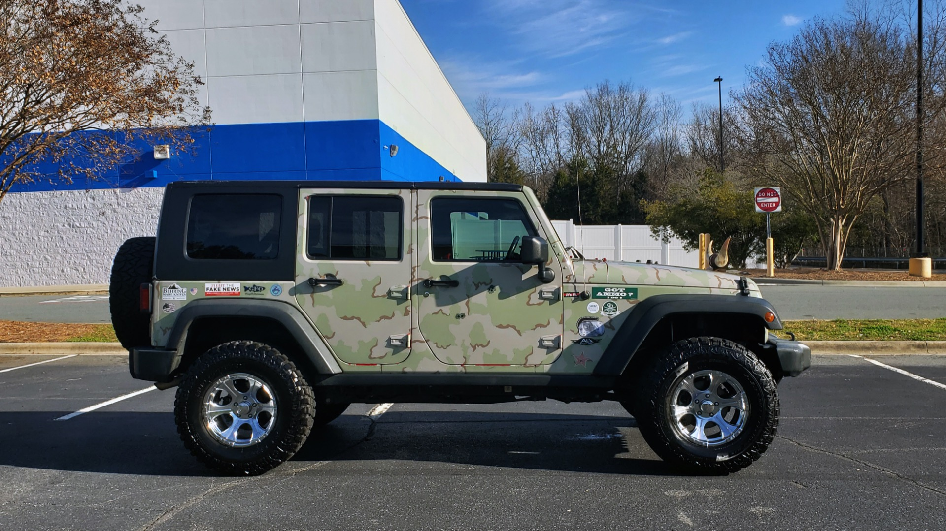 Used 2009 Jeep WRANGLER UNLIMITED 4X4 / FREEDOM TOP / CUSTOM RUBICON for sale Sold at Formula Imports in Charlotte NC 28227 17