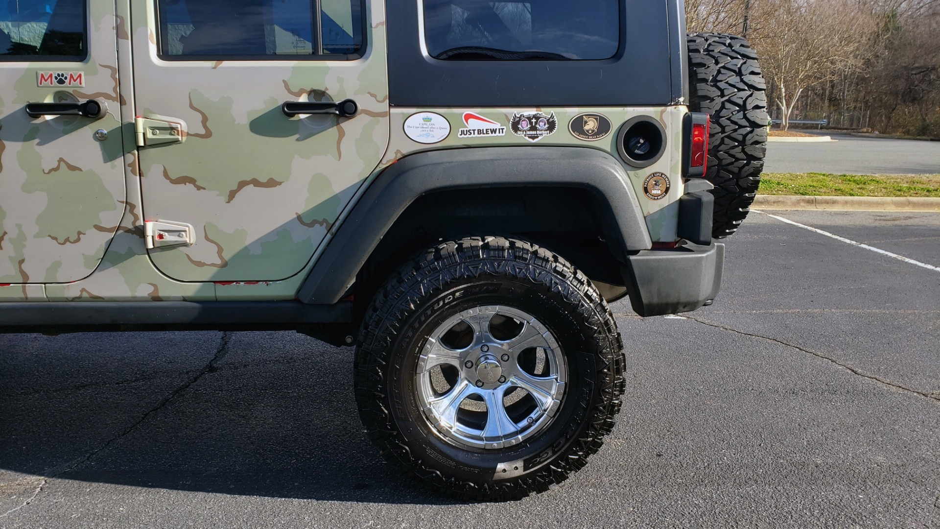 Used 2009 Jeep WRANGLER UNLIMITED 4X4 / FREEDOM TOP / CUSTOM RUBICON for sale Sold at Formula Imports in Charlotte NC 28227 5