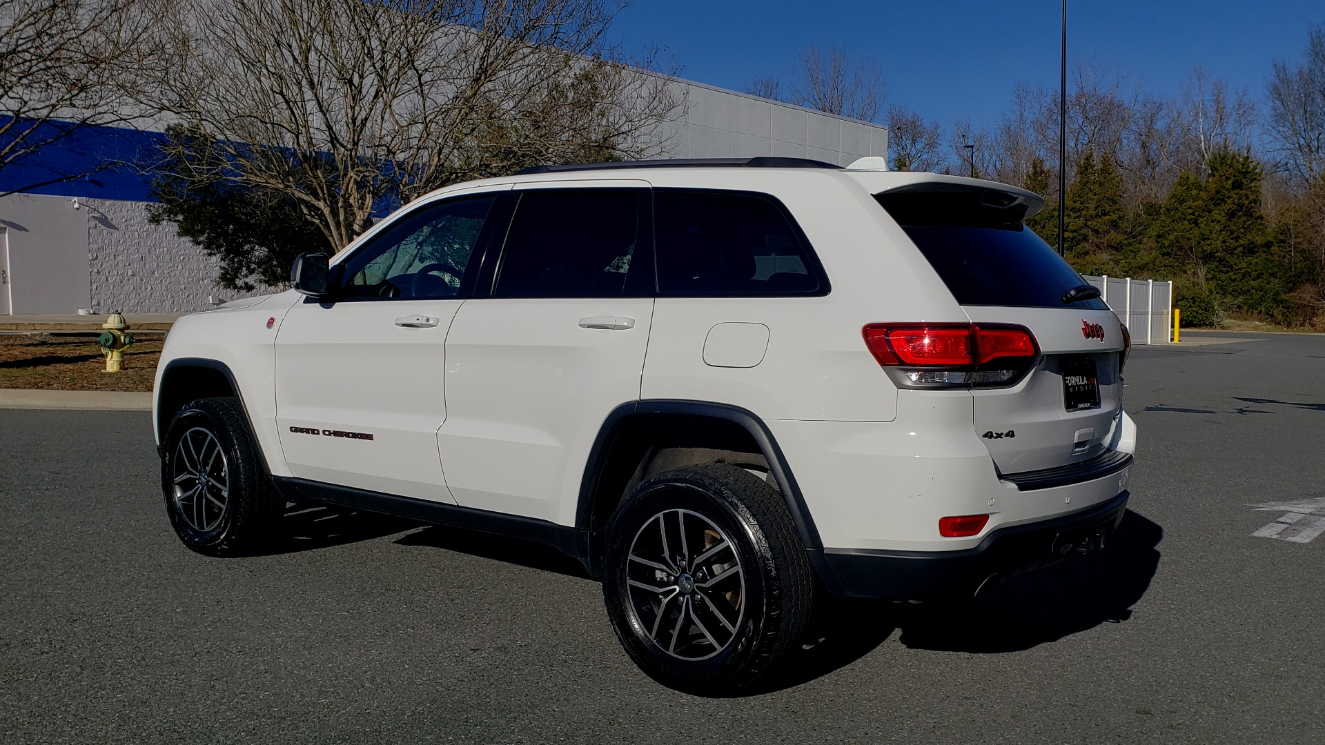 Used 2018 Jeep GRAND CHEROKEE TRAILHAWK 4X4 / NAV / REARVIEW / V6 / AUTO for sale Sold at Formula Imports in Charlotte NC 28227 3