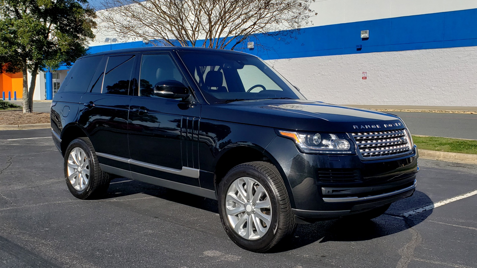 Used 2016 Land Rover RANGE ROVER HSE SC V6 / 4x4 / NAV / SUNROOF / REARVIEW for sale Sold at Formula Imports in Charlotte NC 28227 4