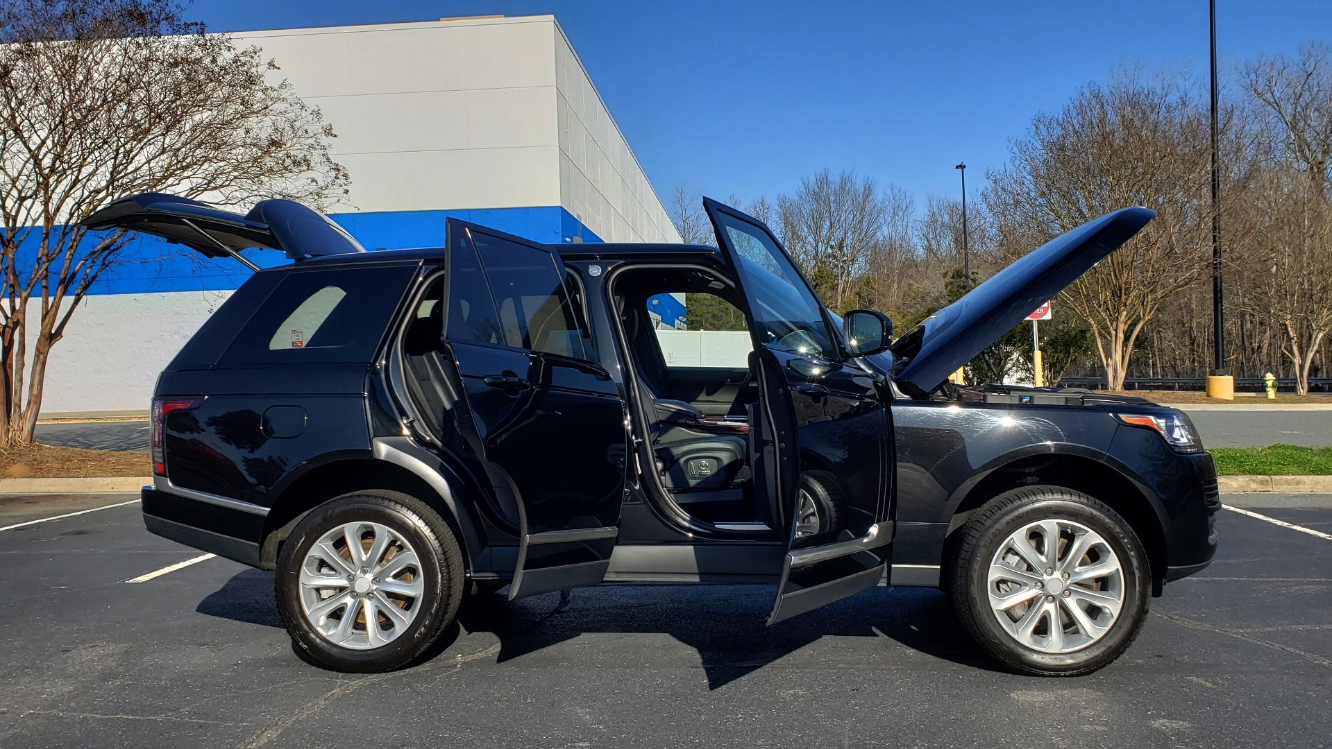 Used 2016 Land Rover RANGE ROVER HSE SC V6 / 4x4 / NAV / SUNROOF / REARVIEW for sale Sold at Formula Imports in Charlotte NC 28227 9
