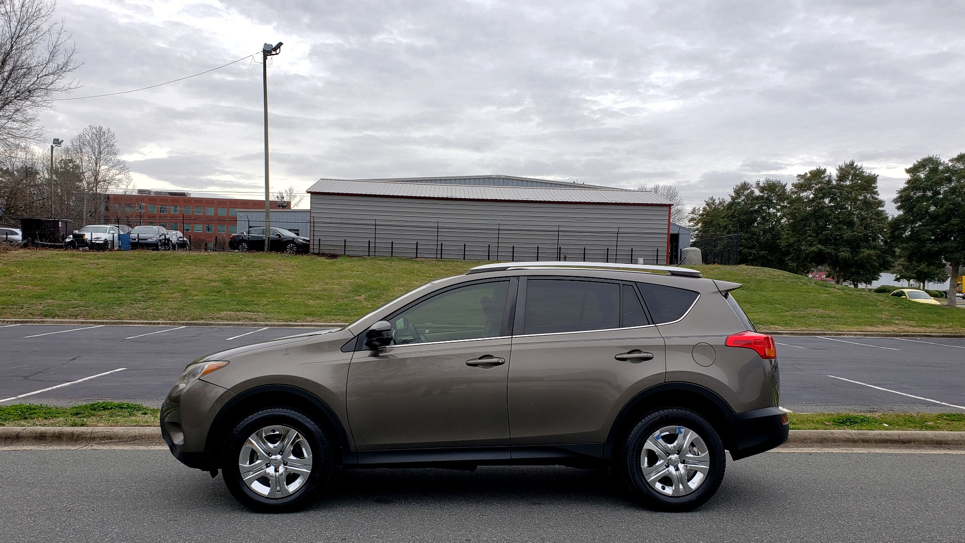 Used 2013 Toyota RAV4 LE / AUTO / FWD / 29 MPG HWY / CLEAN CARFAX for sale Sold at Formula Imports in Charlotte NC 28227 2