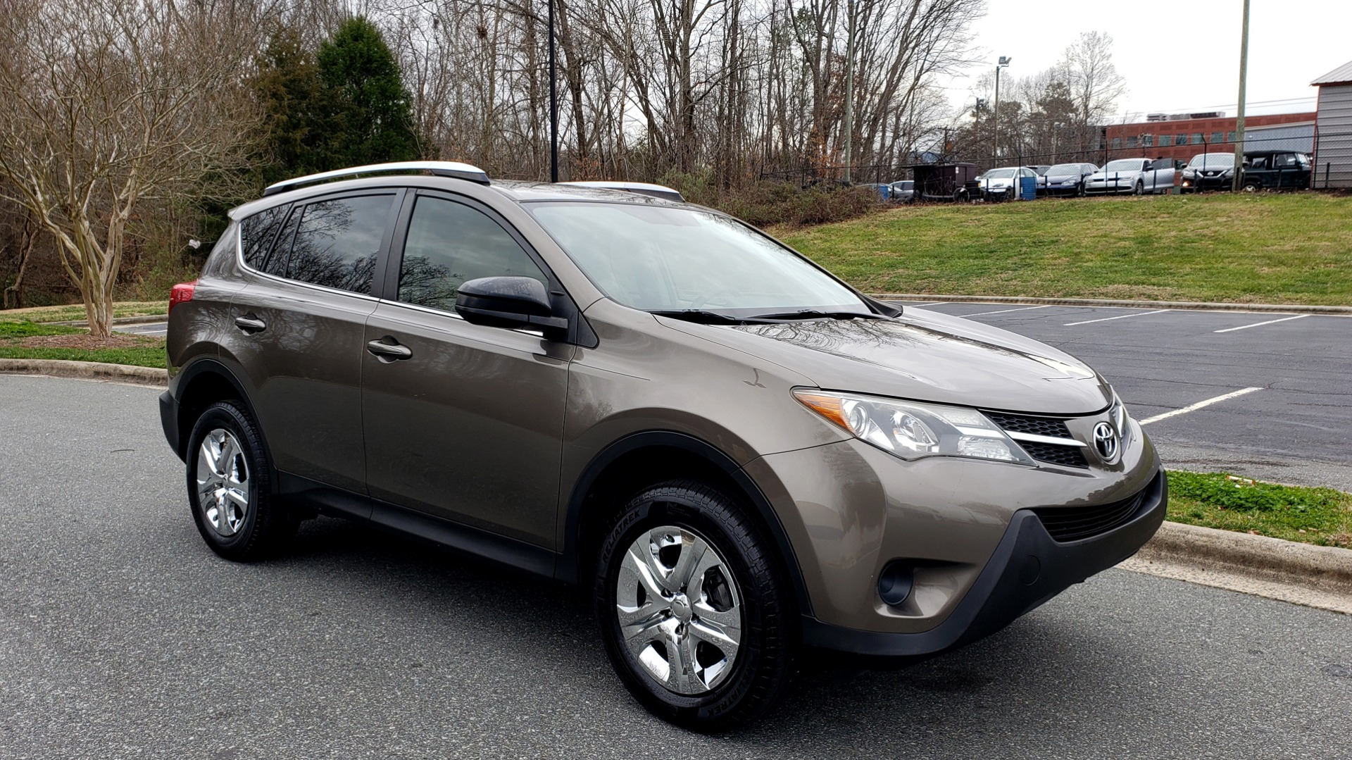 Used 2013 Toyota RAV4 LE / AUTO / FWD / 29 MPG HWY / CLEAN CARFAX for sale Sold at Formula Imports in Charlotte NC 28227 4