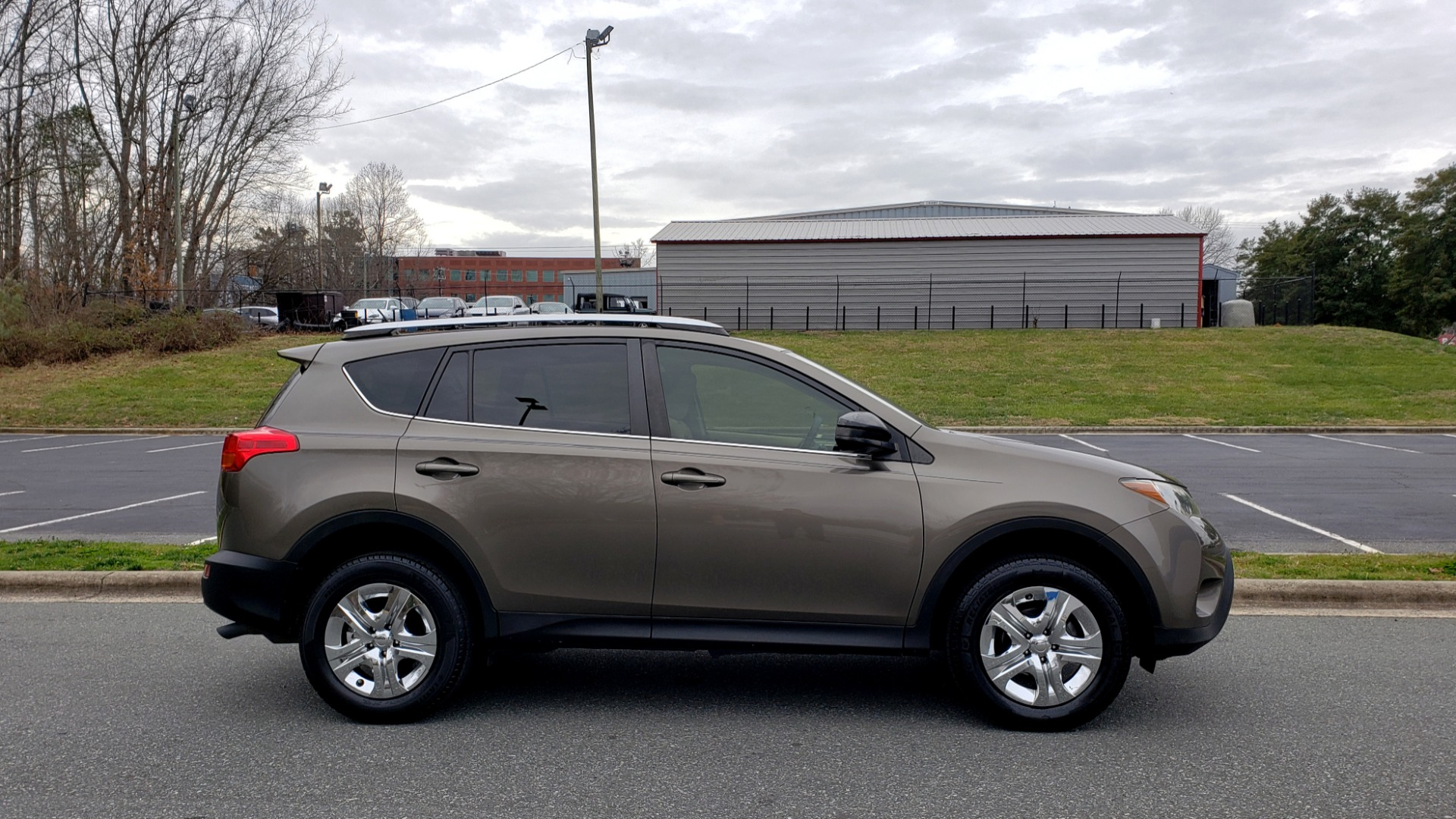 Used 2013 Toyota RAV4 LE / AUTO / FWD / 29 MPG HWY / CLEAN CARFAX for sale Sold at Formula Imports in Charlotte NC 28227 5