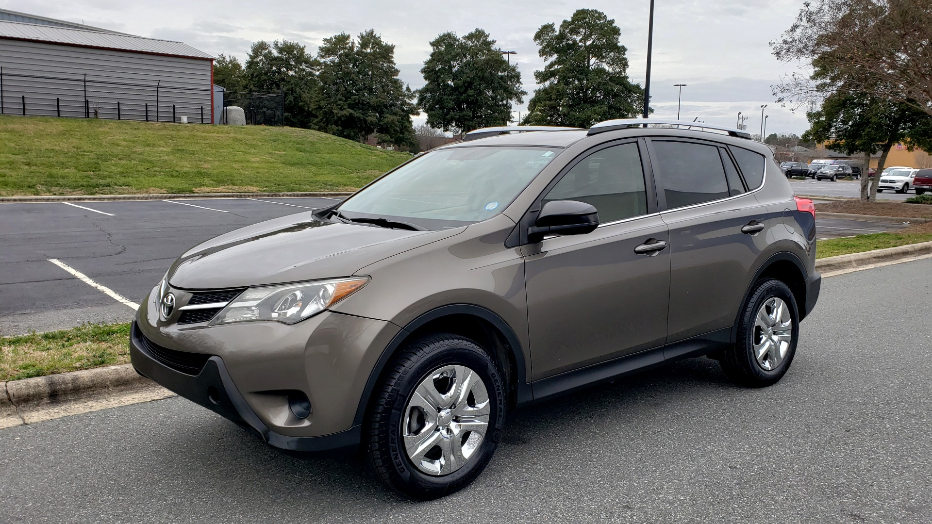 Used 2013 Toyota RAV4 LE / AUTO / FWD / 29 MPG HWY / CLEAN CARFAX for sale Sold at Formula Imports in Charlotte NC 28227 1