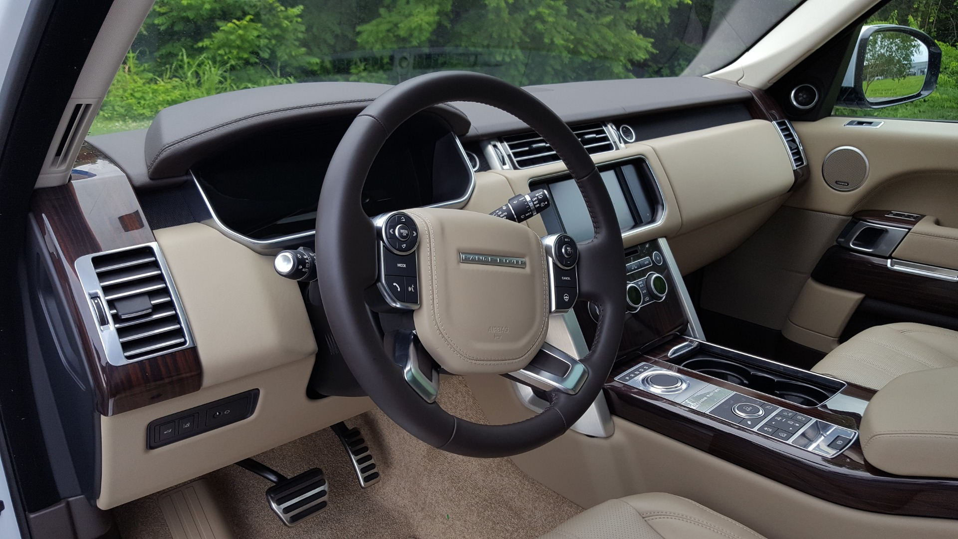 Used 2016 Land Rover RANGE ROVER SC V8 / DRVR ASST / VSN ASST / MERIDIAN / SNRF / BLIND SPOT for sale Sold at Formula Imports in Charlotte NC 28227 36