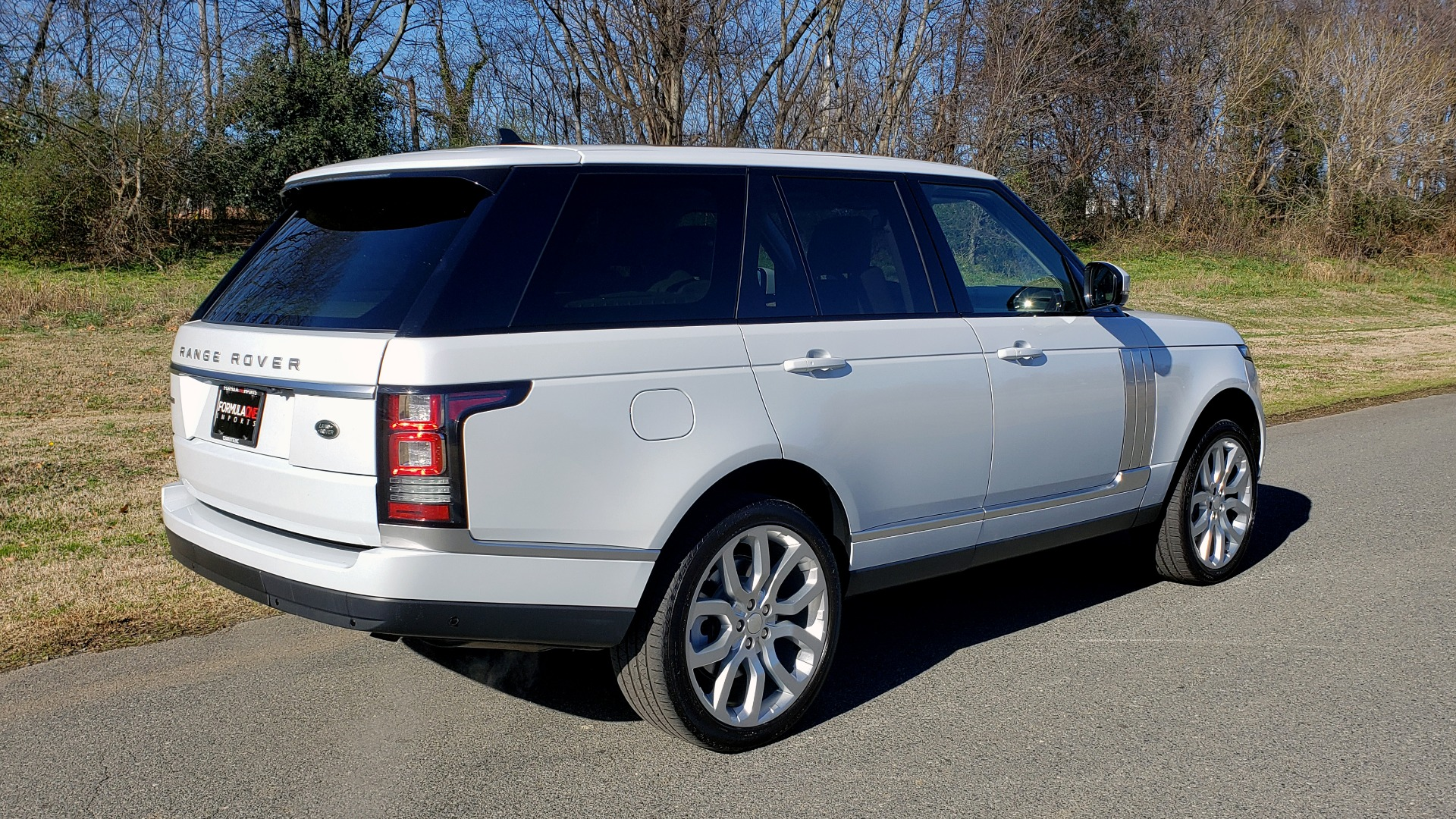 Used 2016 Land Rover RANGE ROVER SC V8 / DRVR ASST / VSN ASST / MERIDIAN / SNRF / BLIND SPOT for sale Sold at Formula Imports in Charlotte NC 28227 6