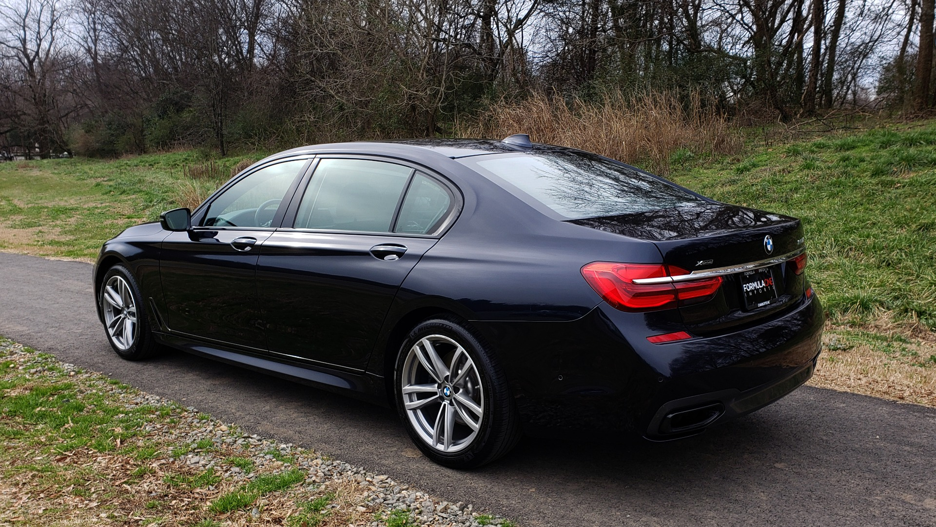 Used 2017 BMW 7 SERIES 750I XDRIVE / M-SPORT / DRVR ASST / EXEC PKG / CLD WTHR for sale Sold at Formula Imports in Charlotte NC 28227 3