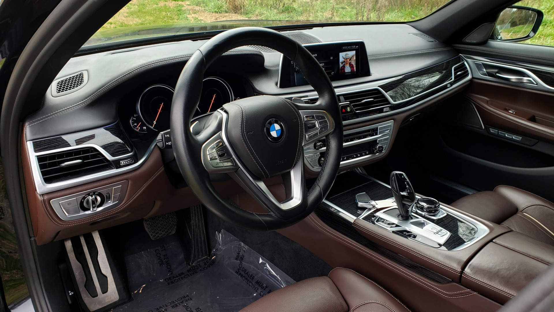 Used 2017 BMW 7 SERIES 750I XDRIVE / M-SPORT / DRVR ASST / EXEC PKG / CLD WTHR for sale Sold at Formula Imports in Charlotte NC 28227 31