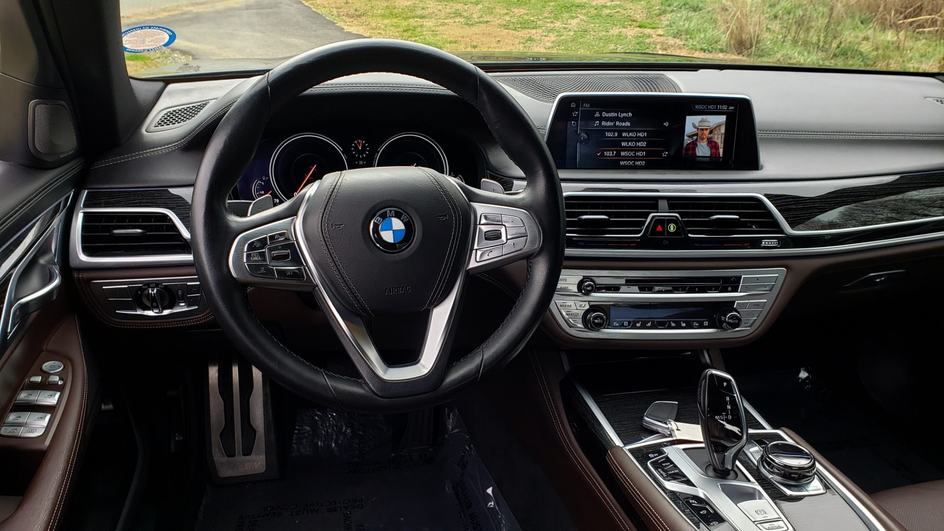 Used 2017 BMW 7 SERIES 750I XDRIVE / M-SPORT / DRVR ASST / EXEC PKG / CLD WTHR for sale Sold at Formula Imports in Charlotte NC 28227 34