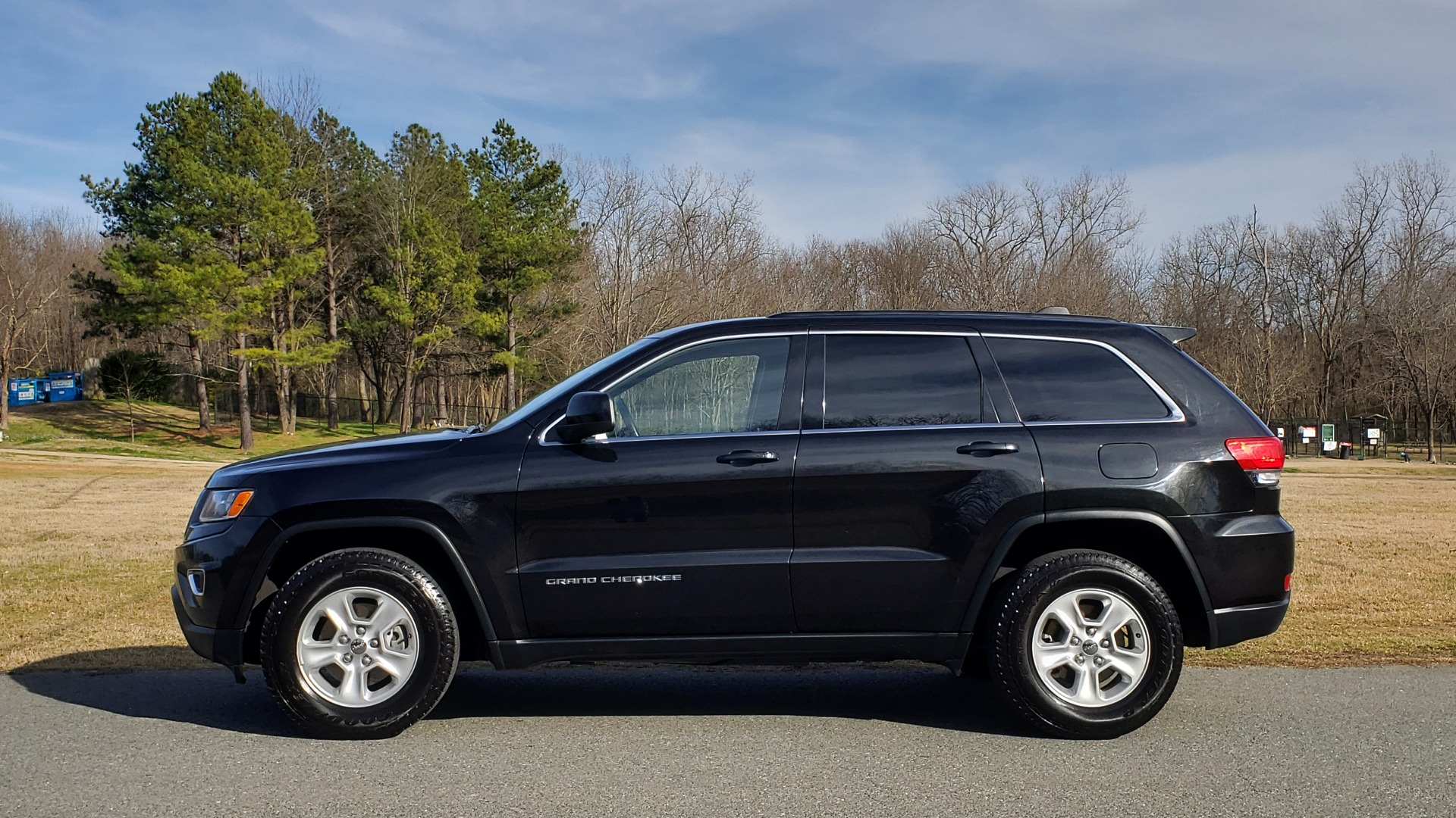 Used 2015 Jeep GRAND CHEROKEE LAREDO / 4X2 / 3.6L V6 / AUTO / 17IN WHEELS for sale Sold at Formula Imports in Charlotte NC 28227 2