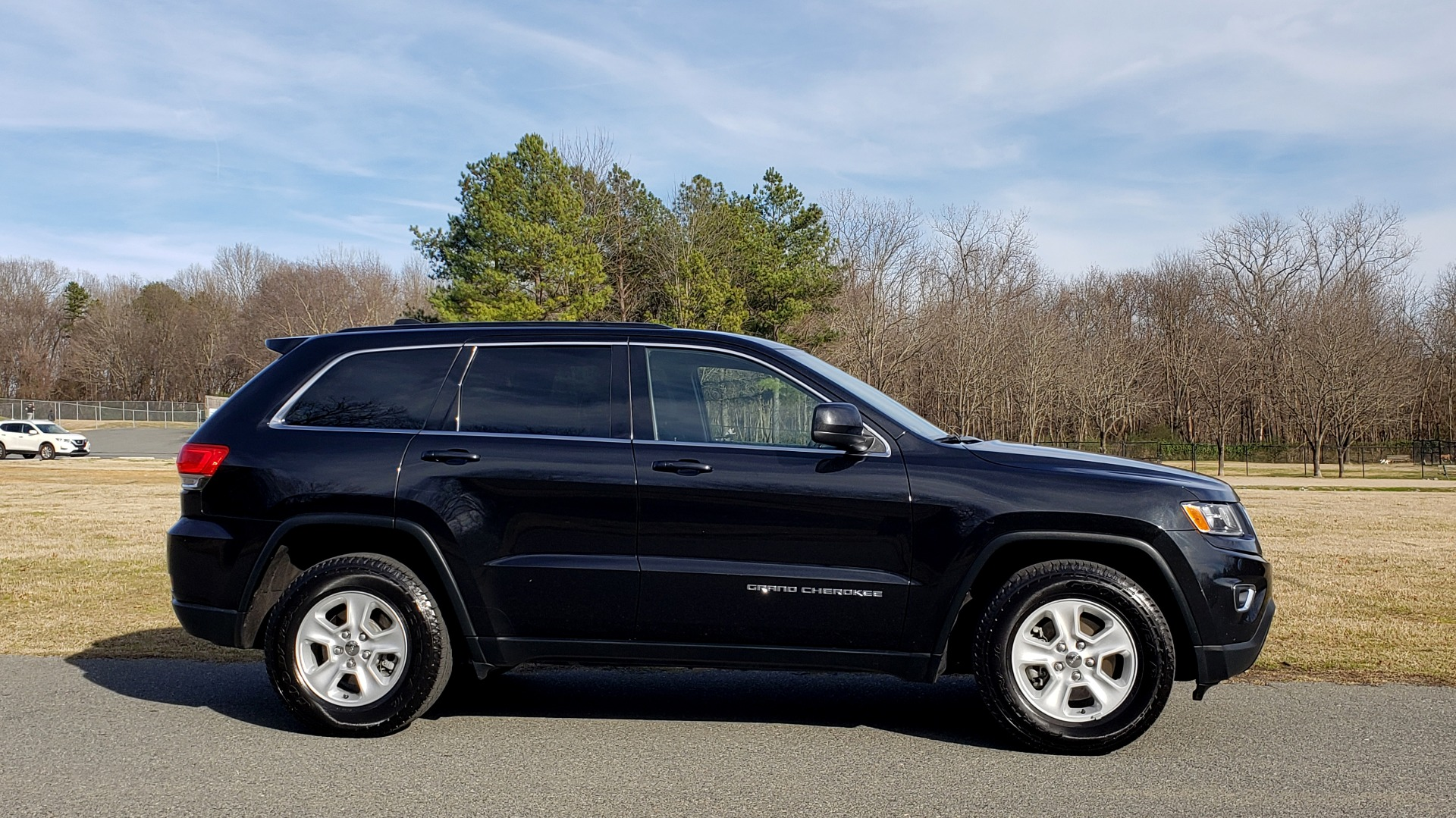 Used 2015 Jeep GRAND CHEROKEE LAREDO / 4X2 / 3.6L V6 / AUTO / 17IN WHEELS for sale Sold at Formula Imports in Charlotte NC 28227 5