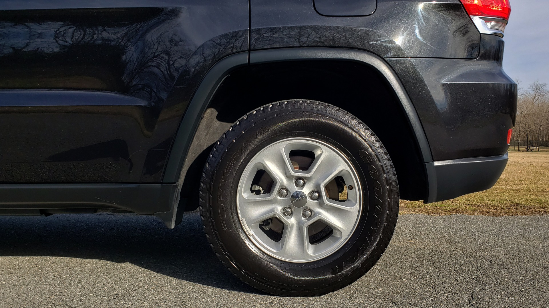 Used 2015 Jeep GRAND CHEROKEE LAREDO / 4X2 / 3.6L V6 / AUTO / 17IN WHEELS for sale Sold at Formula Imports in Charlotte NC 28227 61