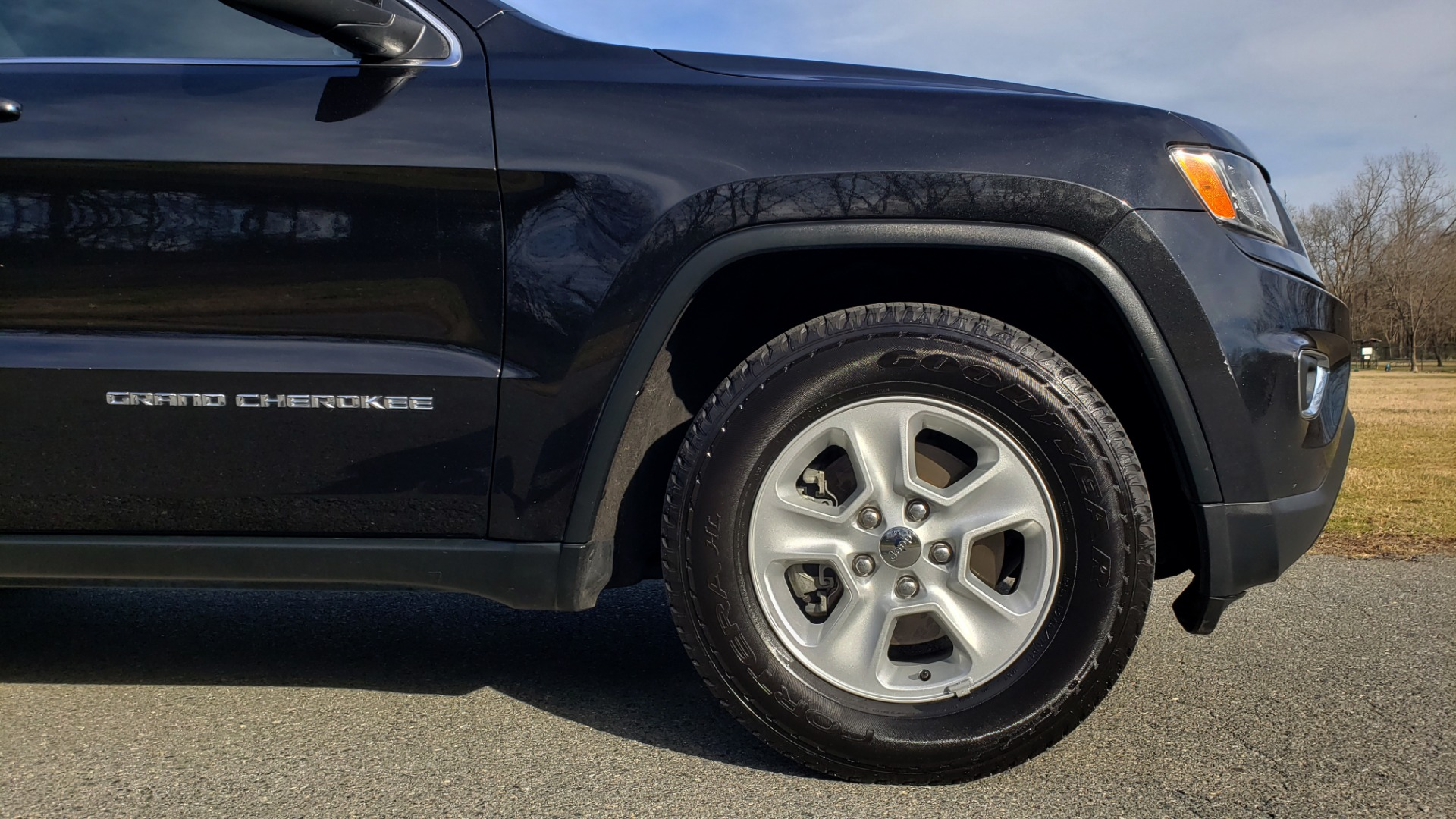 Used 2015 Jeep GRAND CHEROKEE LAREDO / 4X2 / 3.6L V6 / AUTO / 17IN WHEELS for sale Sold at Formula Imports in Charlotte NC 28227 63