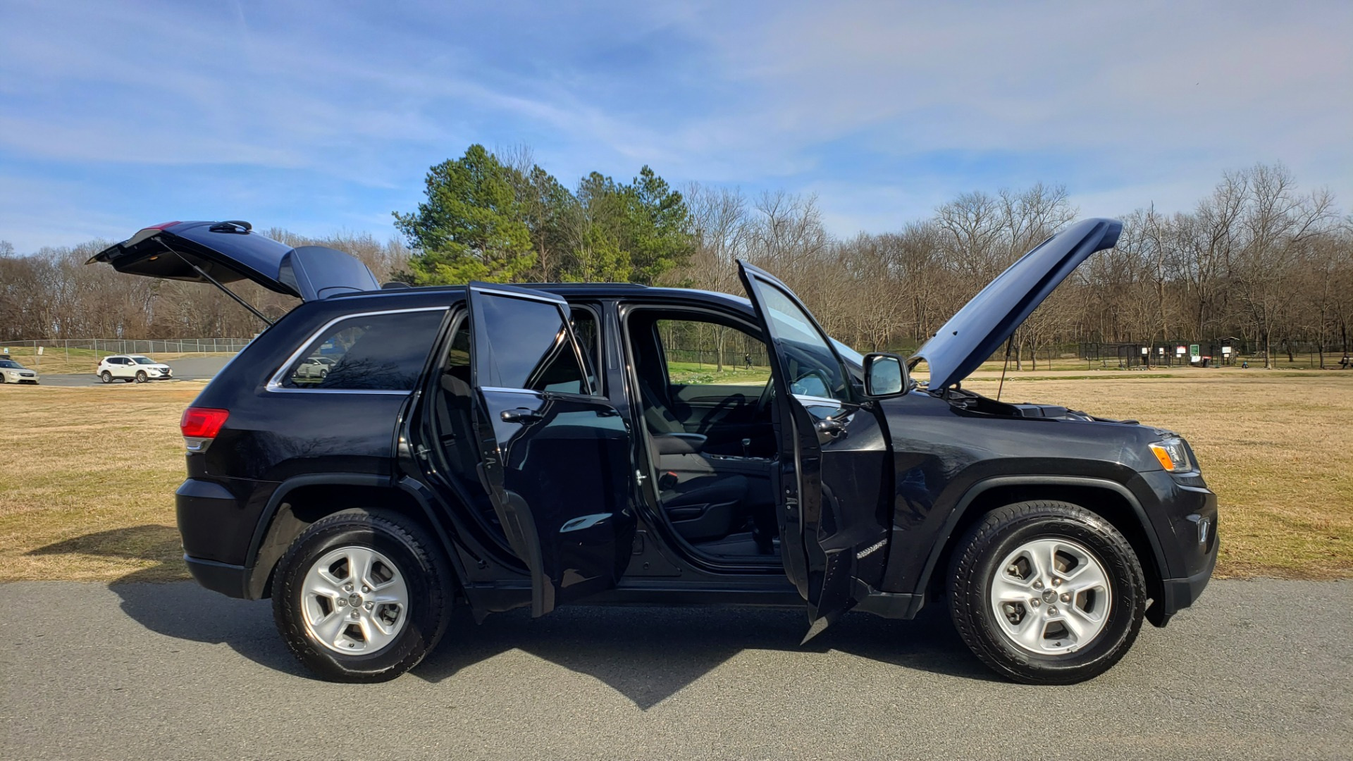 Used 2015 Jeep GRAND CHEROKEE LAREDO / 4X2 / 3.6L V6 / AUTO / 17IN WHEELS for sale Sold at Formula Imports in Charlotte NC 28227 8