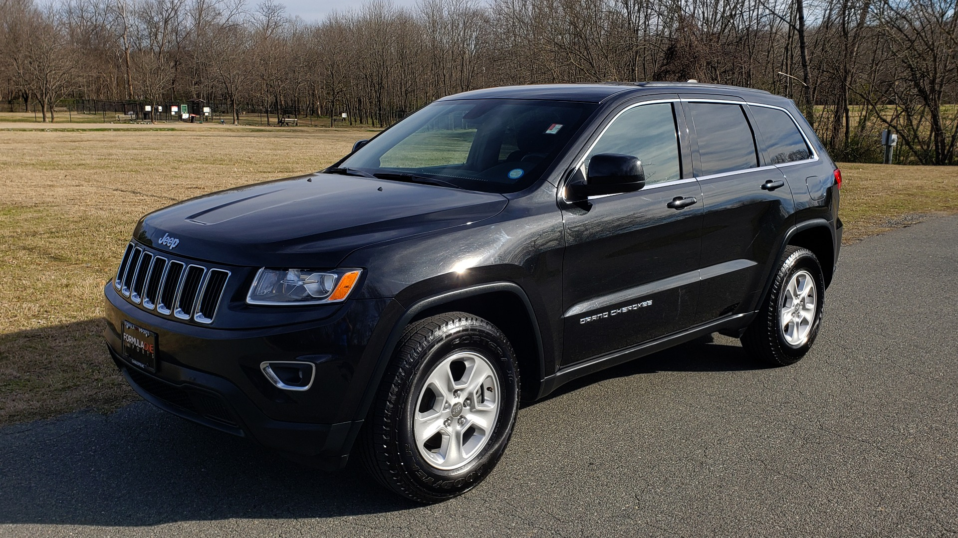 Used 2015 Jeep GRAND CHEROKEE LAREDO / 4X2 / 3.6L V6 / AUTO / 17IN WHEELS for sale Sold at Formula Imports in Charlotte NC 28227 1
