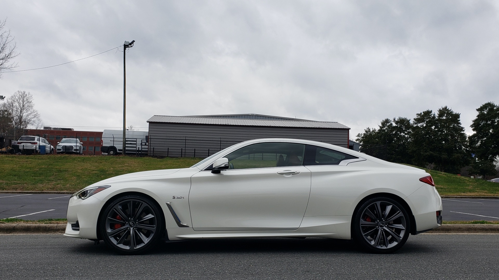 Used 2018 Infiniti Q60 RED SPORT 400 / SENSORY PKG / SUNROOF / NAV / REARVIEW for sale Sold at Formula Imports in Charlotte NC 28227 2